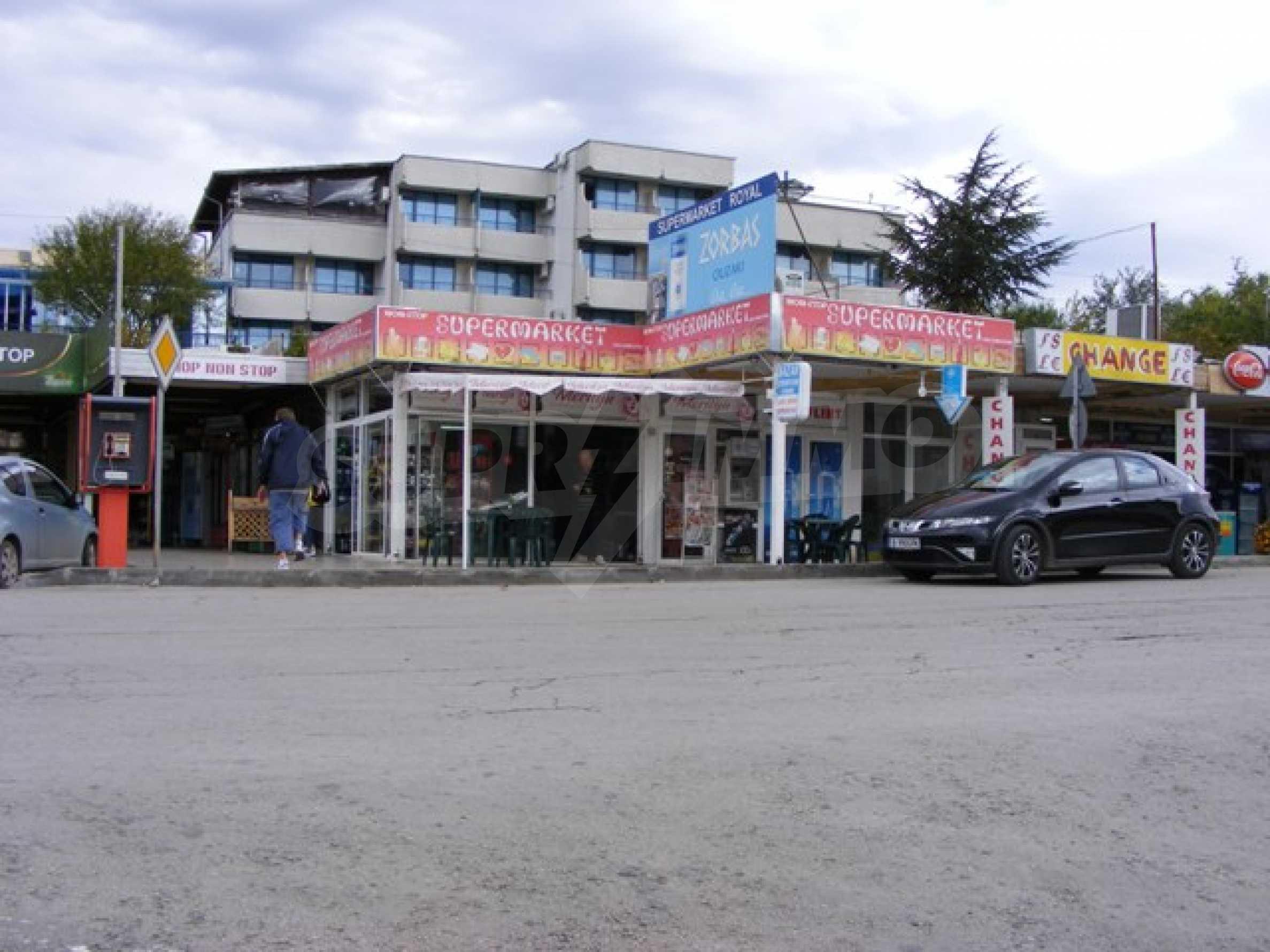 Функциониращ магазин в Балчик 2