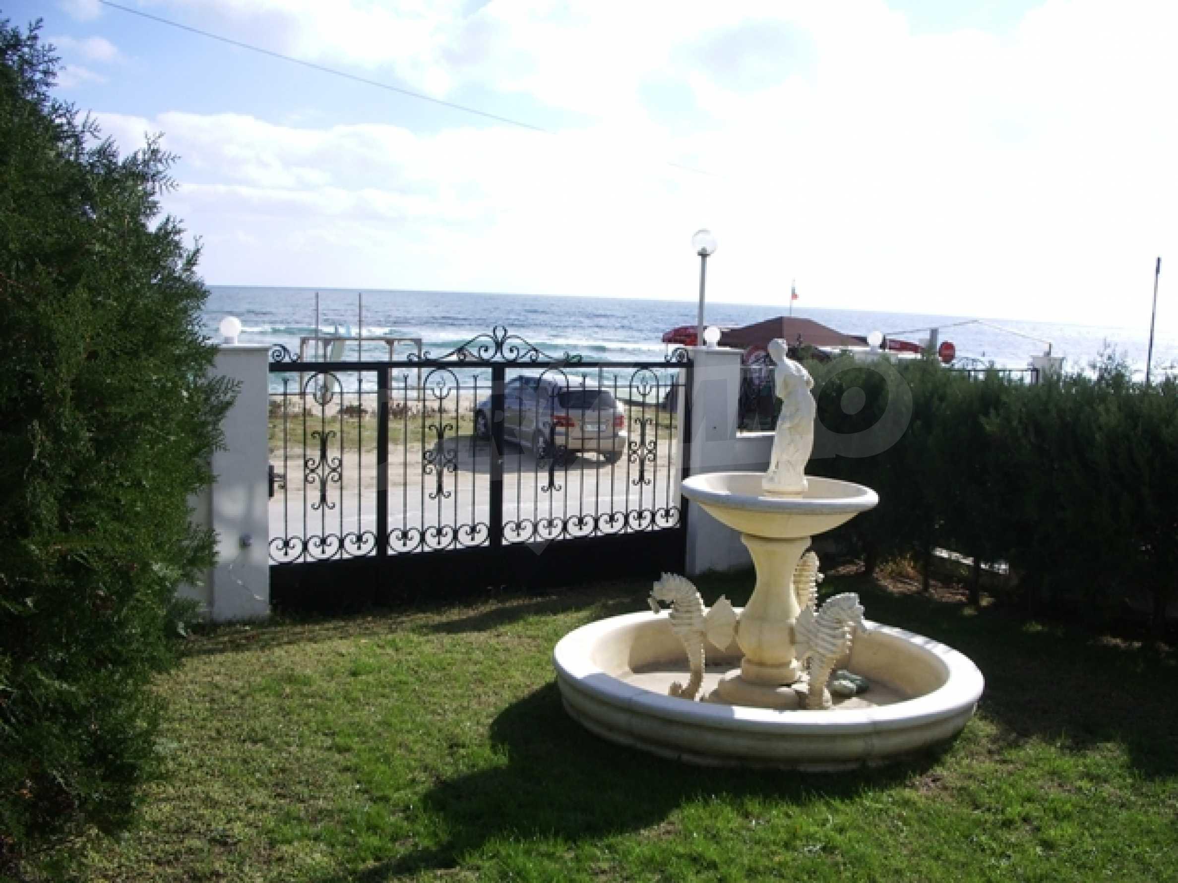 Семеен хотел и хотел-ресторант на първа линия море, до плаж Кабакум 3