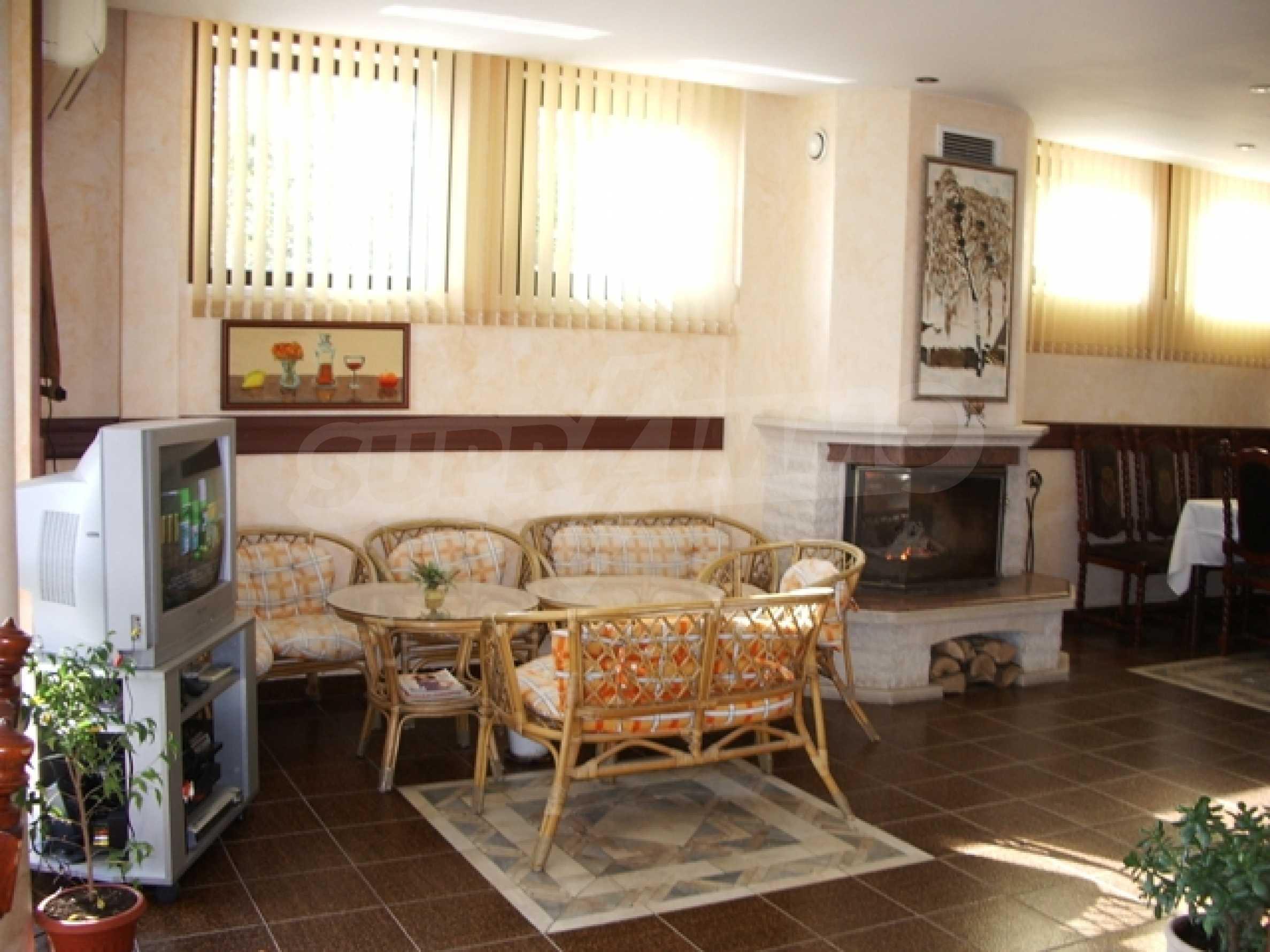 Семеен хотел и хотел-ресторант на първа линия море, до плаж Кабакум 7
