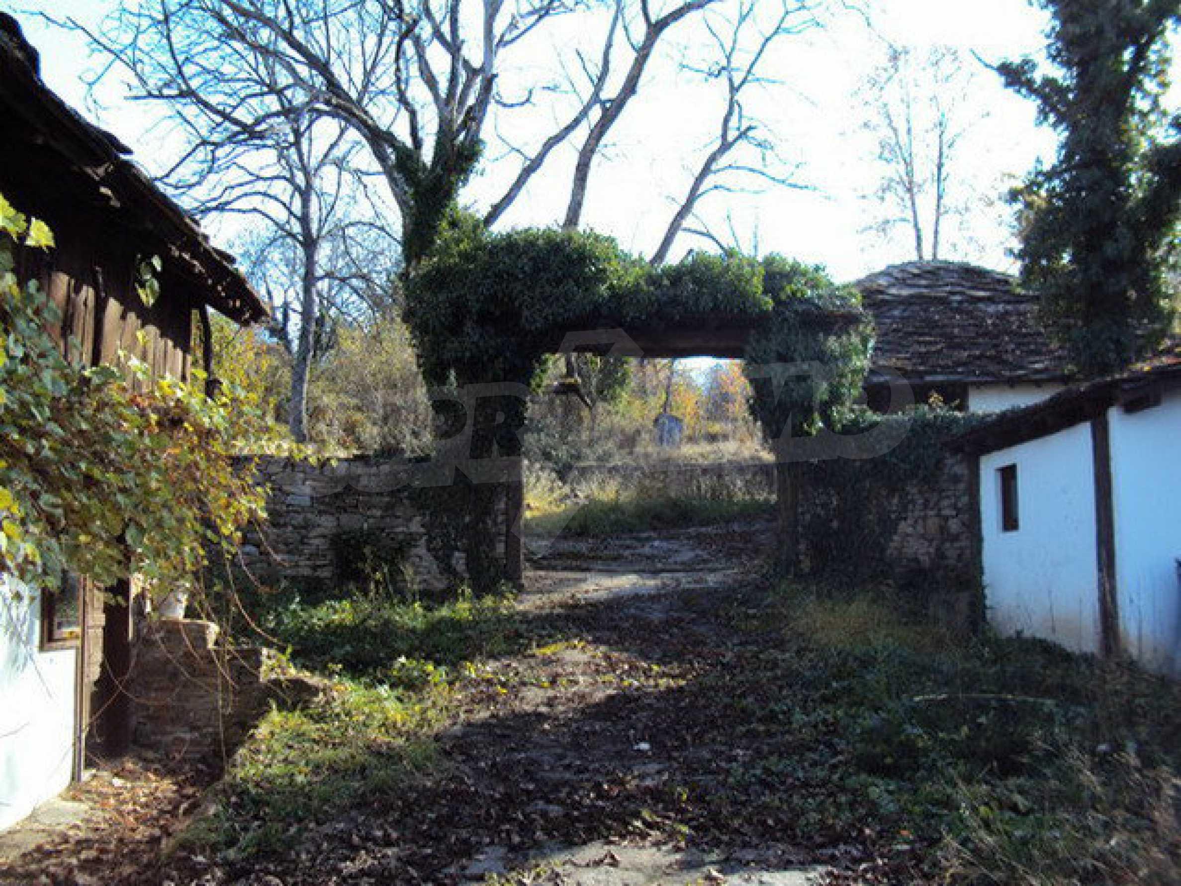 Традиционен имот в малко, китно село 2