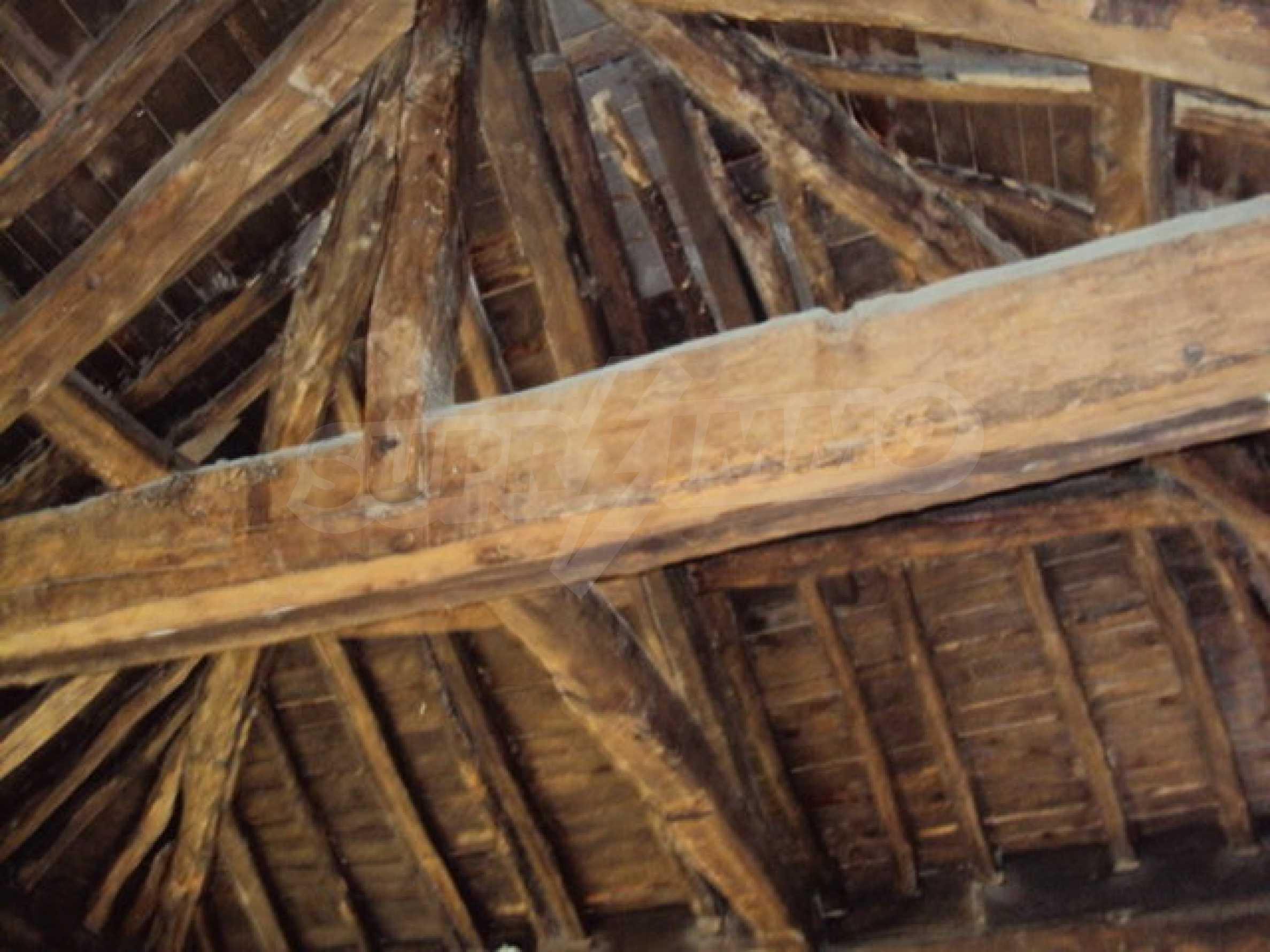 Традиционен имот в малко, китно село 30