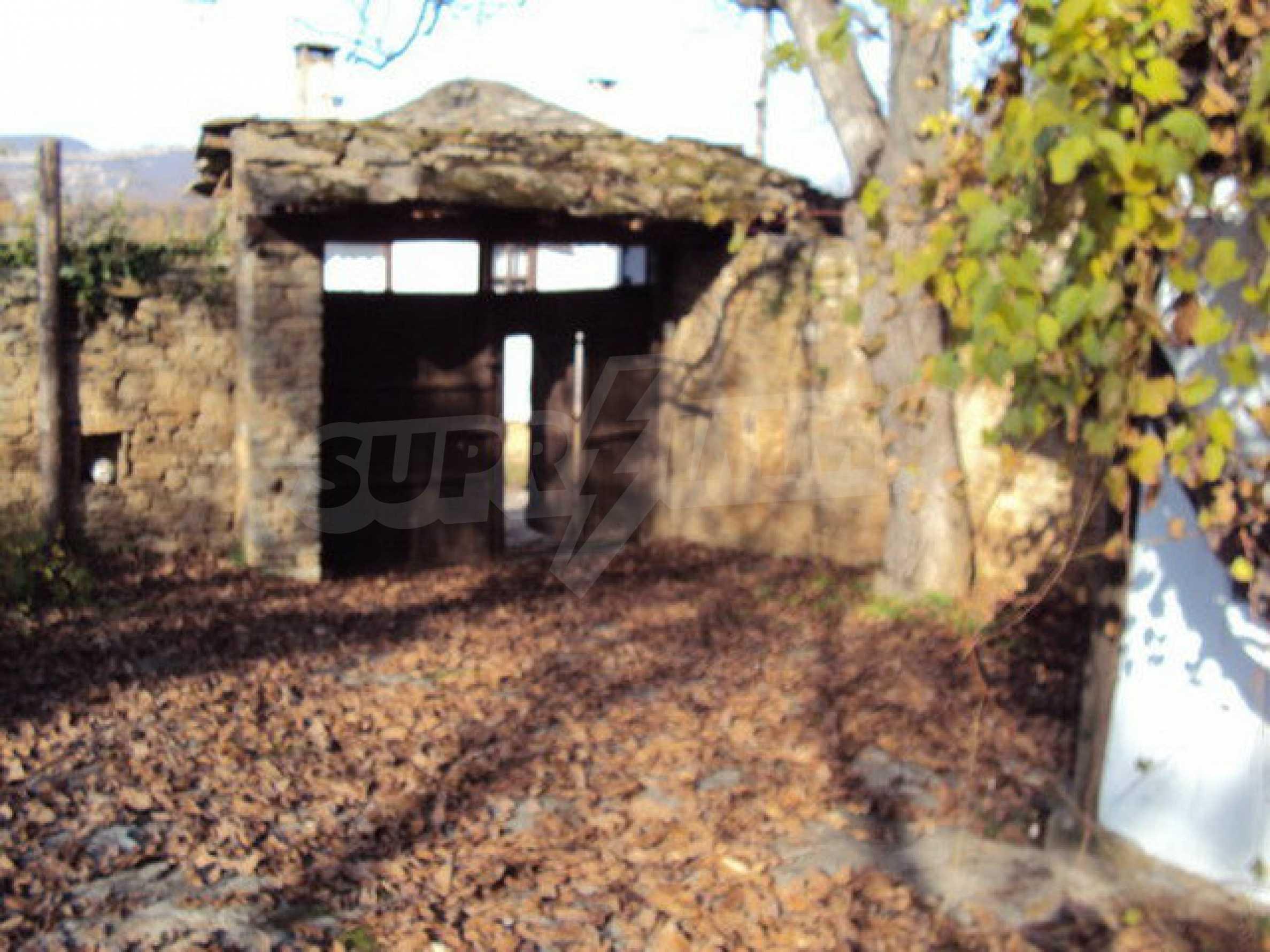 Традиционен имот в малко, китно село 3
