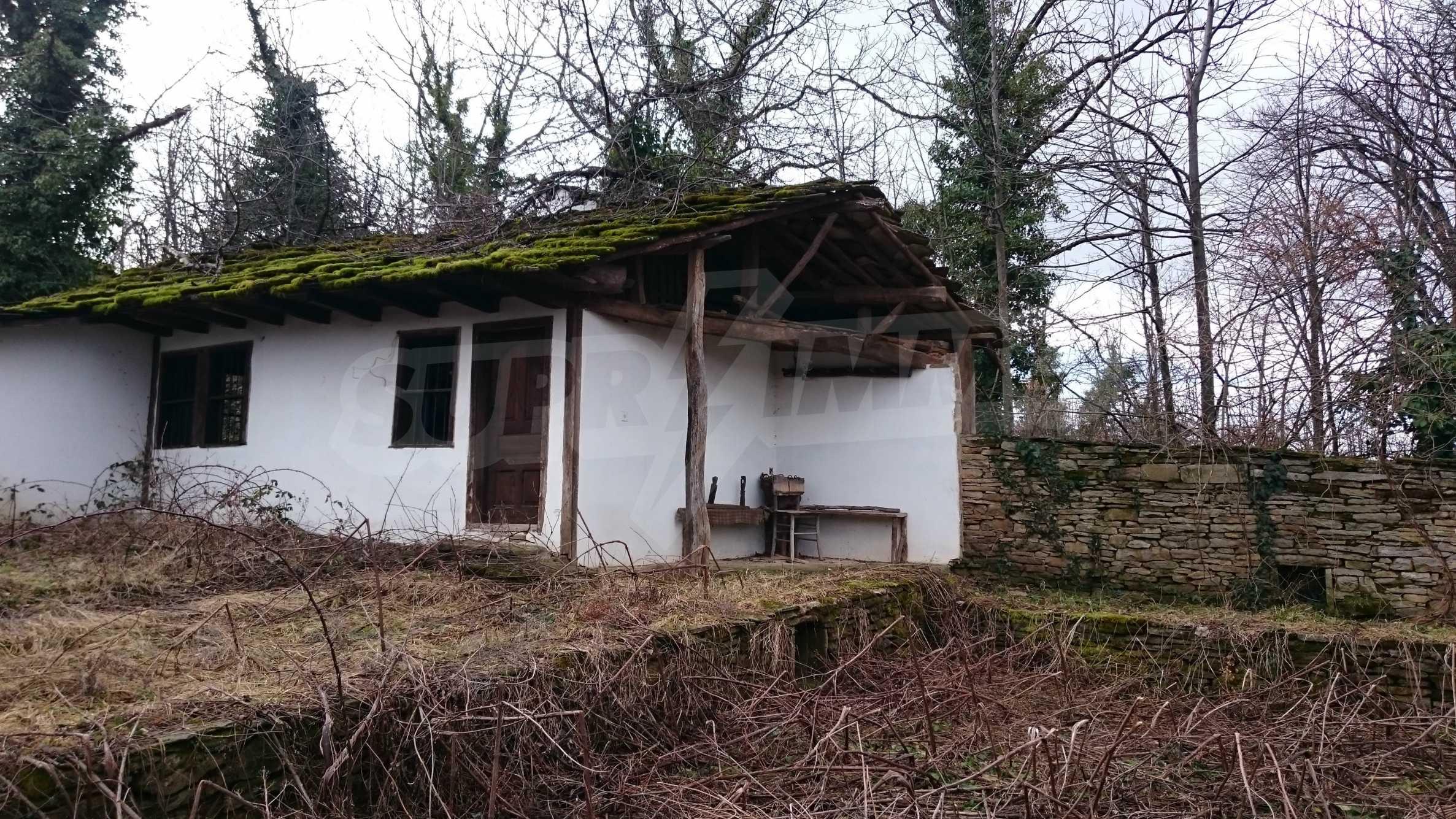 Традиционен имот в малко, китно село 41
