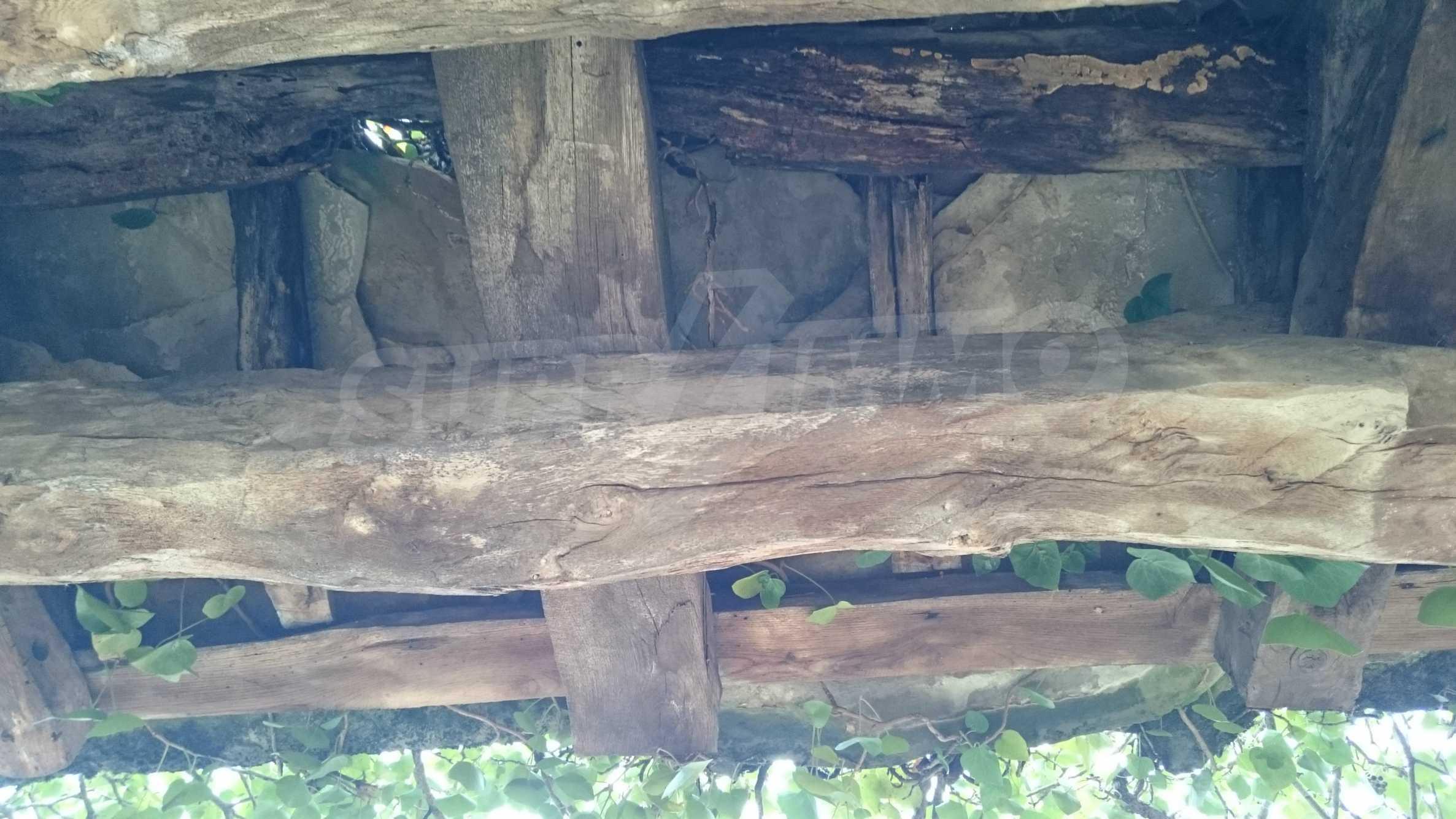 Традиционен имот в малко, китно село 43