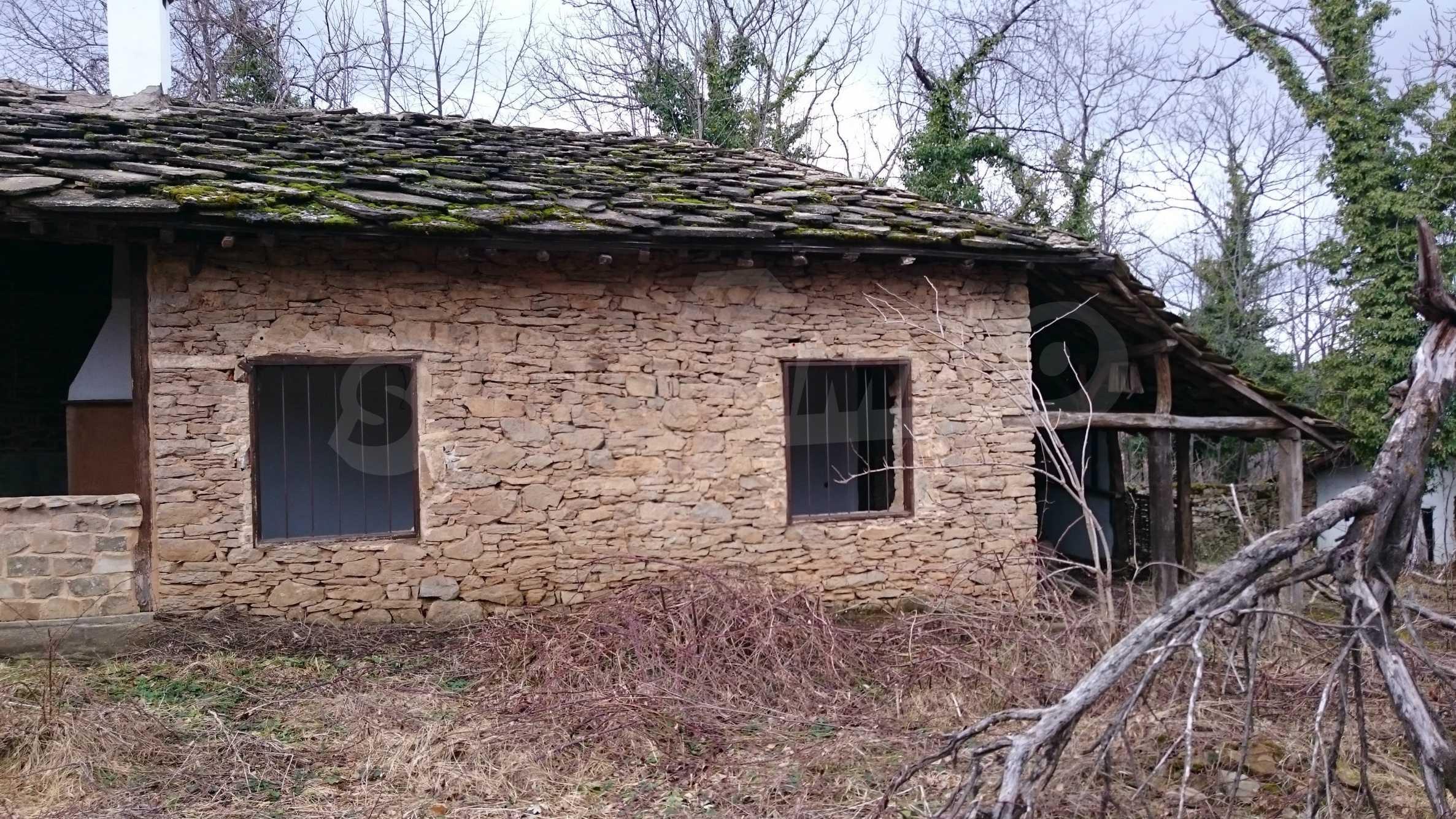 Традиционен имот в малко, китно село 49