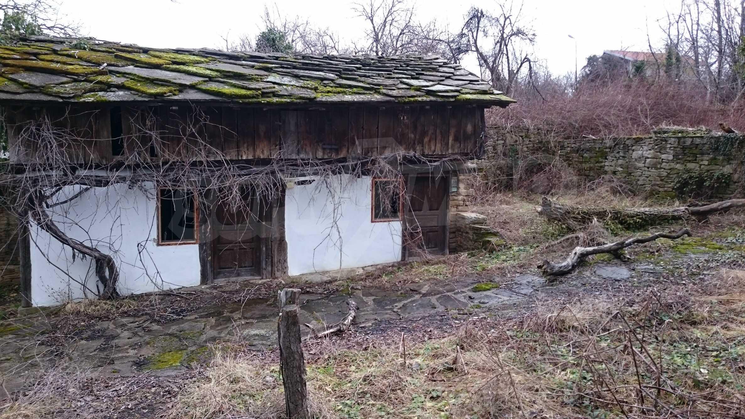 Традиционен имот в малко, китно село 55