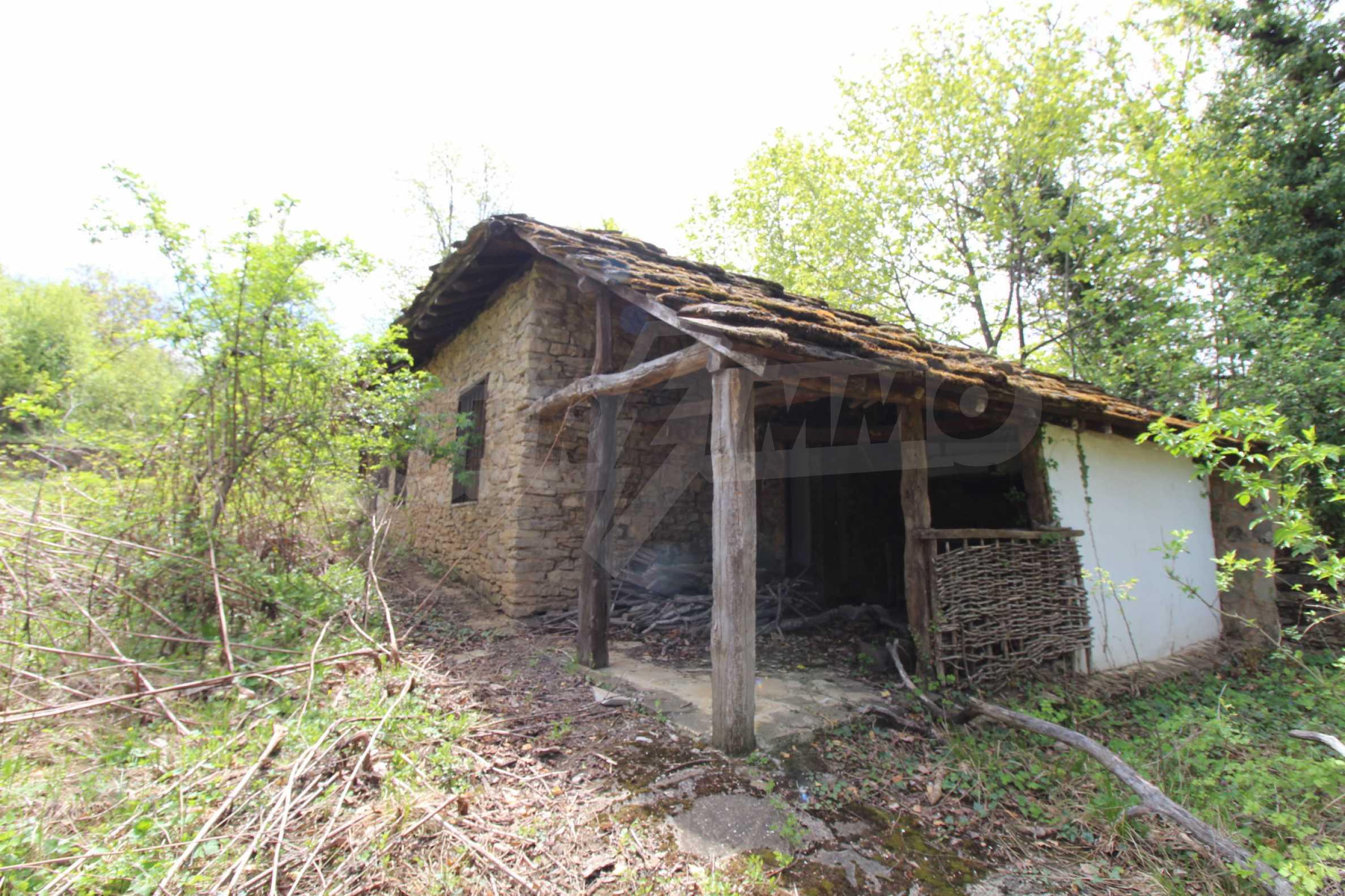 Традиционен имот в малко, китно село 5