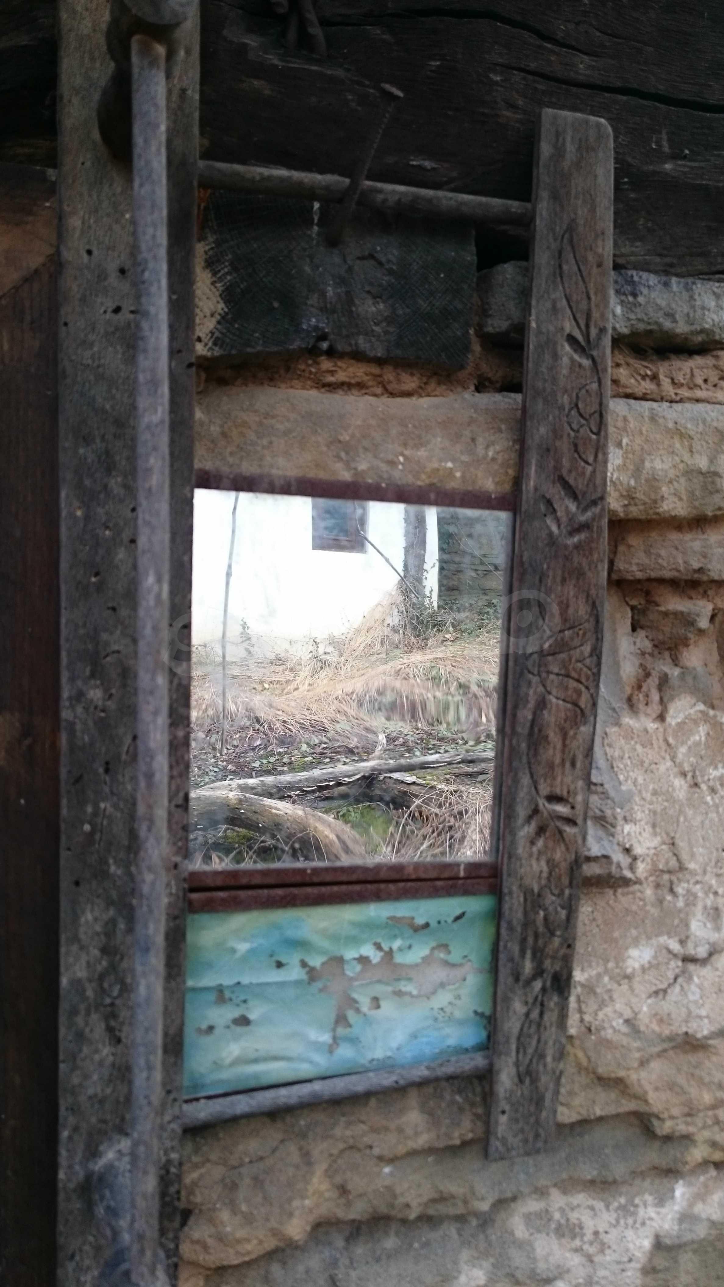 Традиционен имот в малко, китно село 59