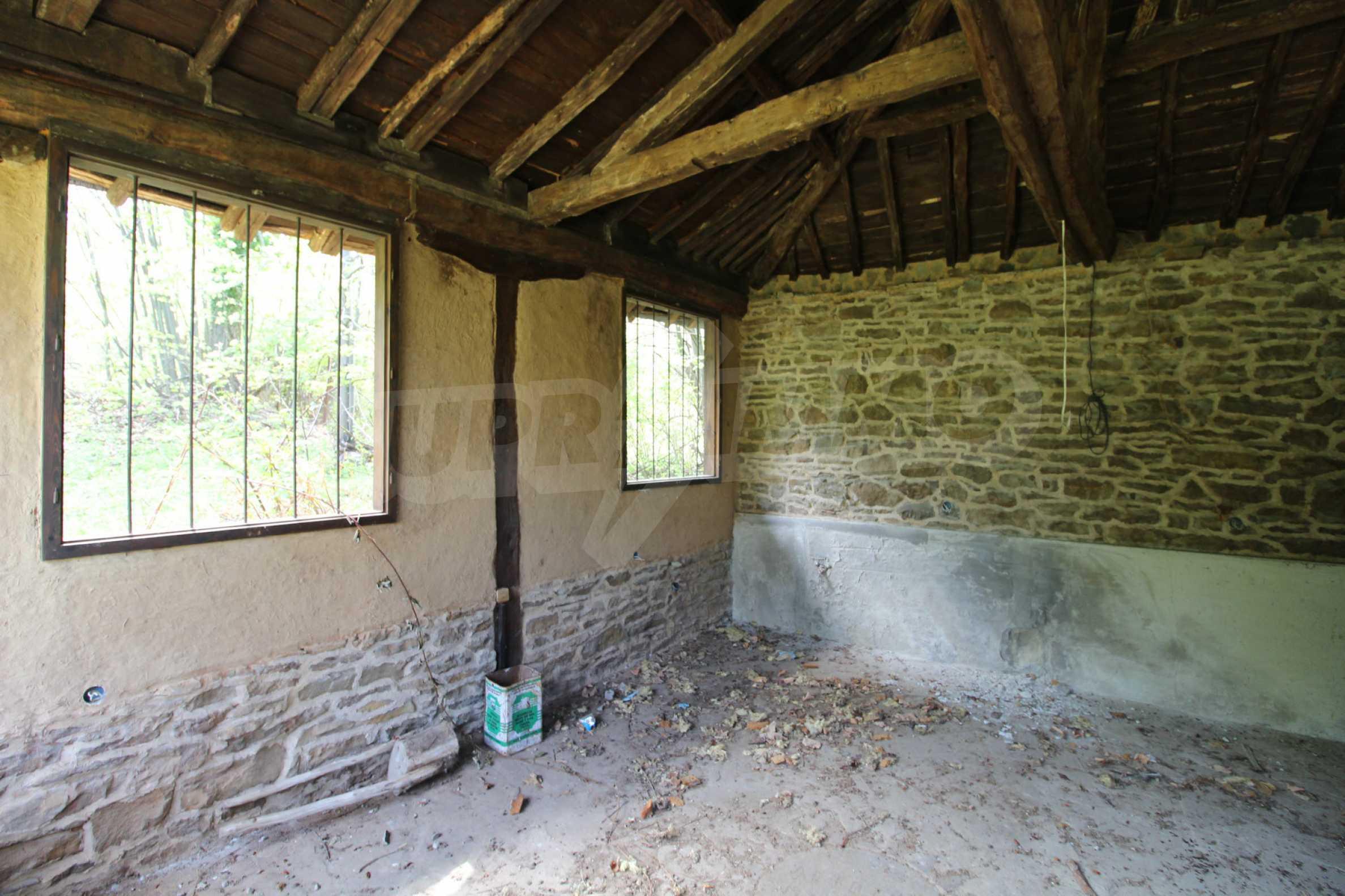 Традиционен имот в малко, китно село 64