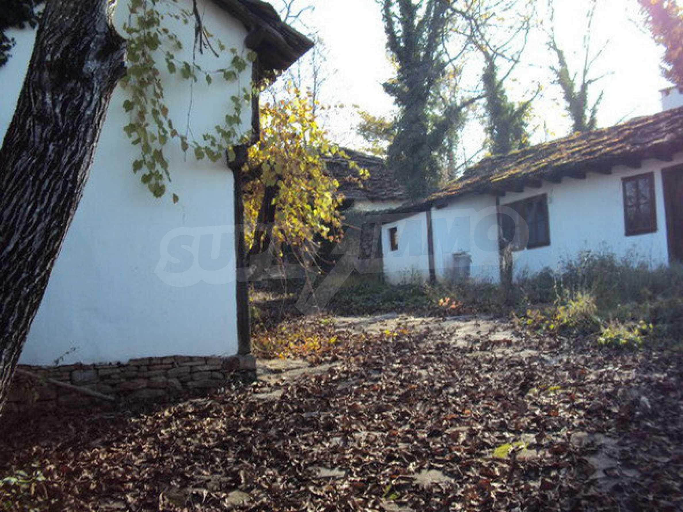 Традиционен имот в малко, китно село 6