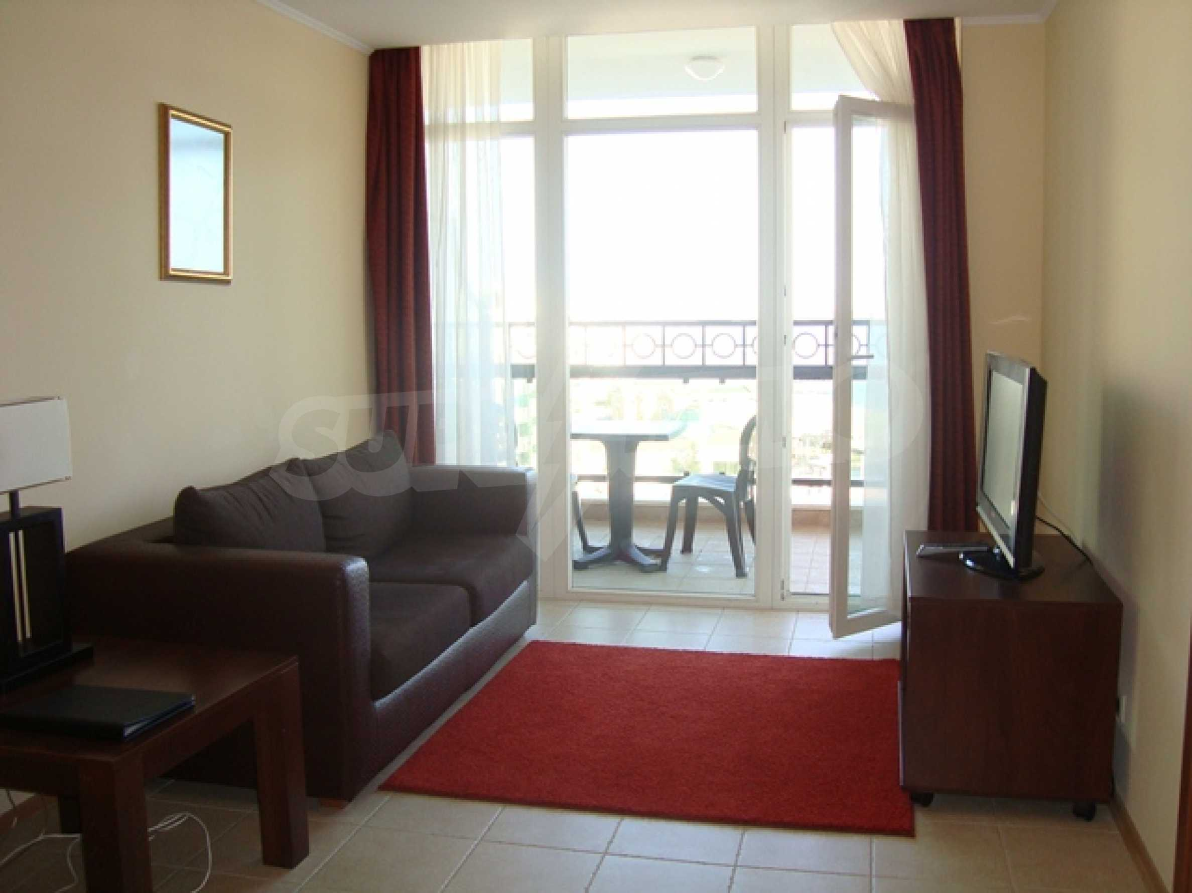 Тристаен апартамент в комплекс Сънсет Ризорт 25