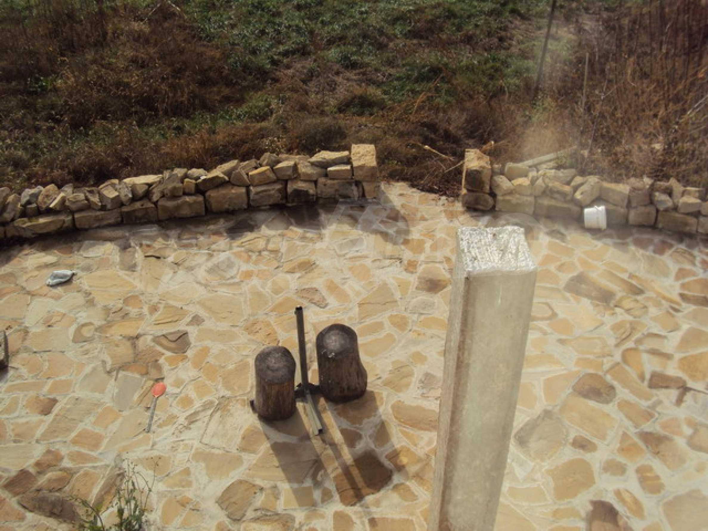 Красив имот в село до Велико Търново 37