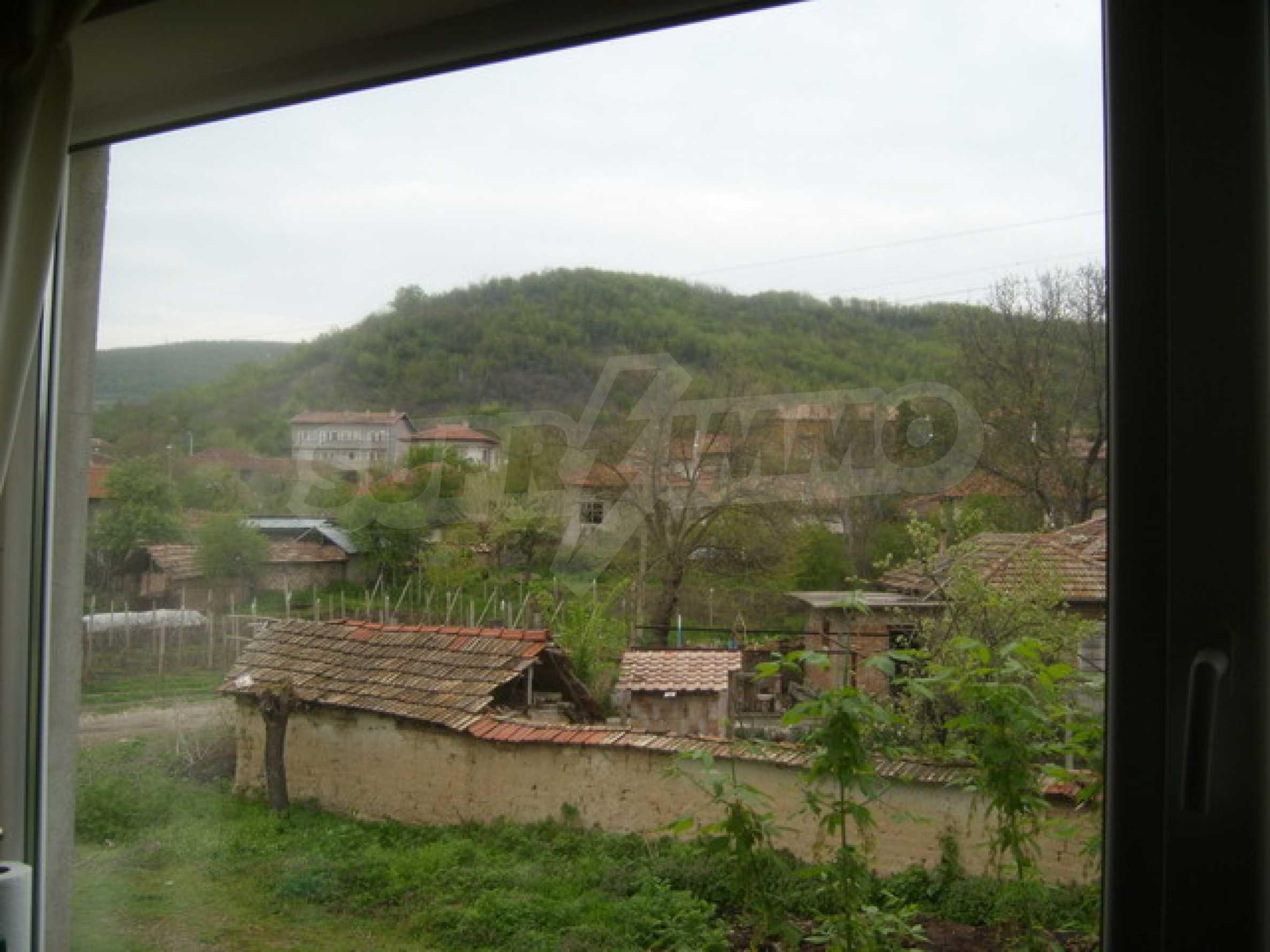 Красив имот в село до Велико Търново 39