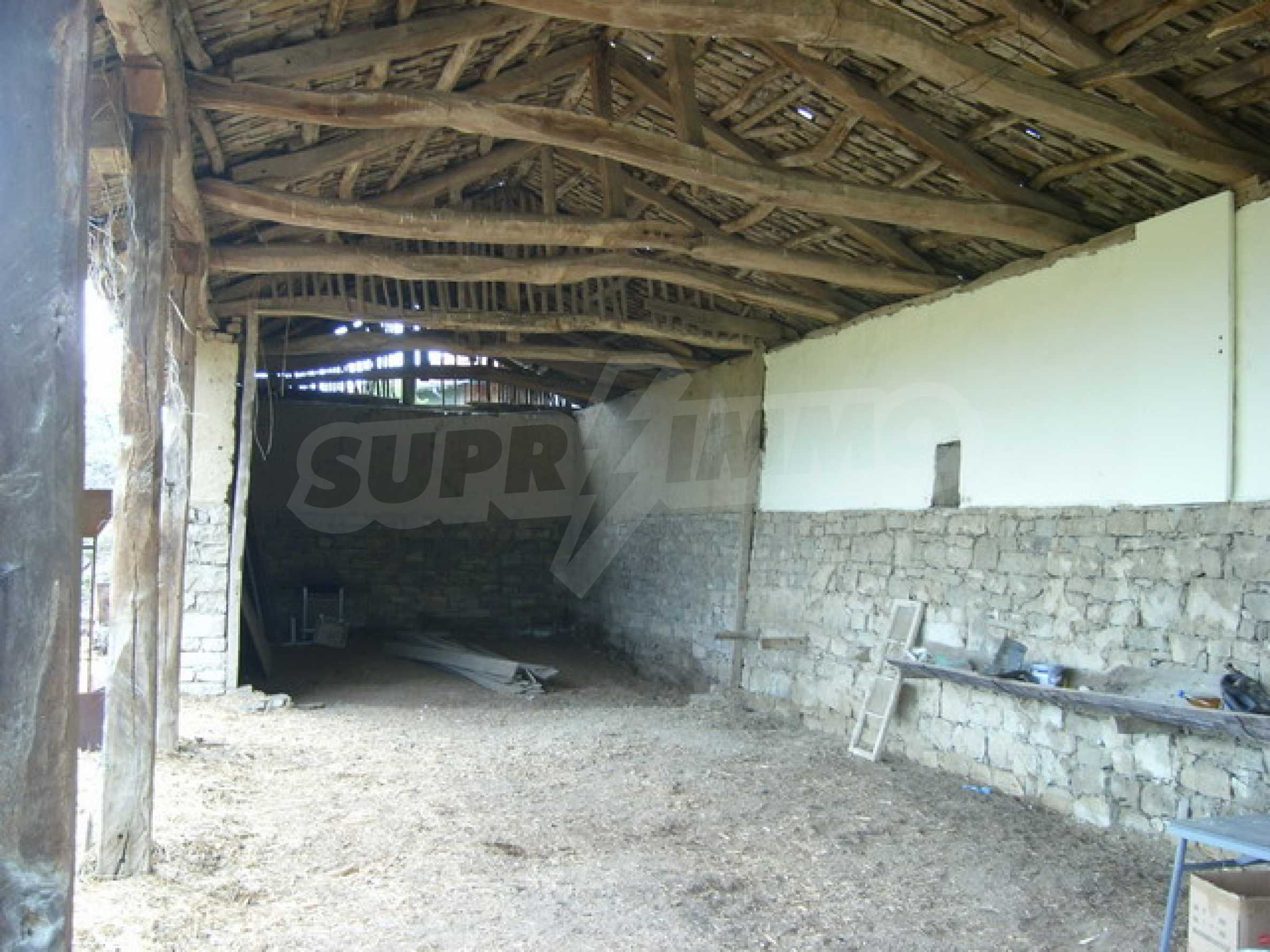 Красив имот в село до Велико Търново 48