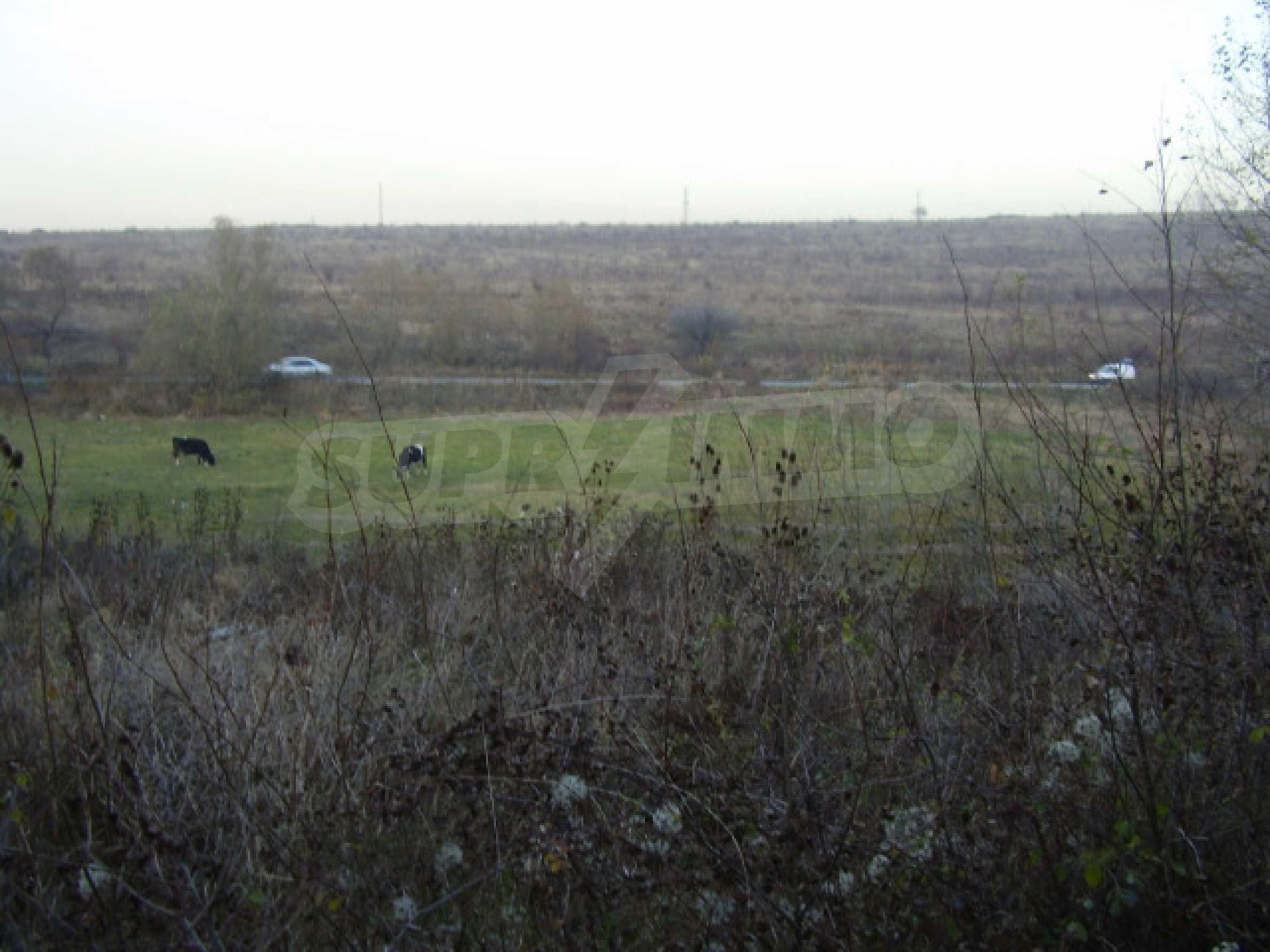 Grundstück in der Nähe von Sofia 2