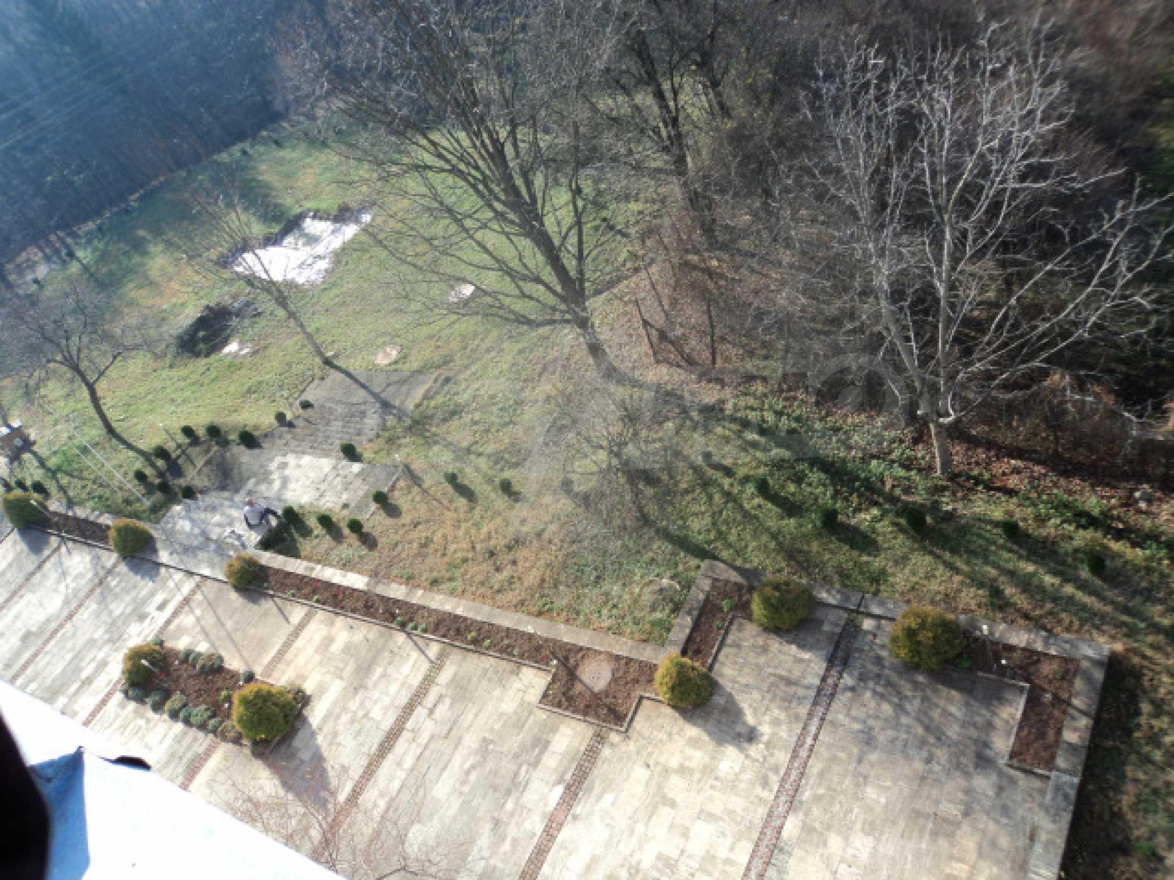 Резиденция у подножия гор  33