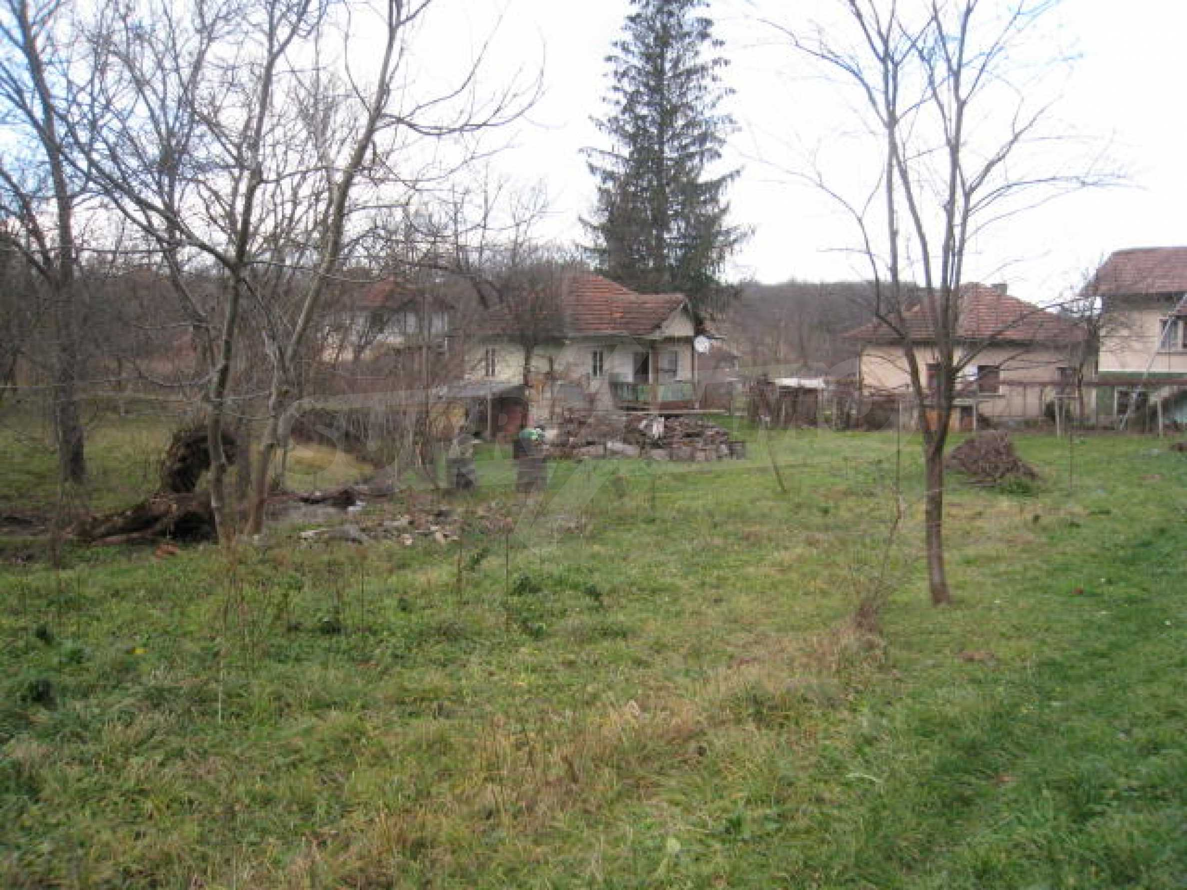 Large plot in regulation close to Klisura Monastery 3