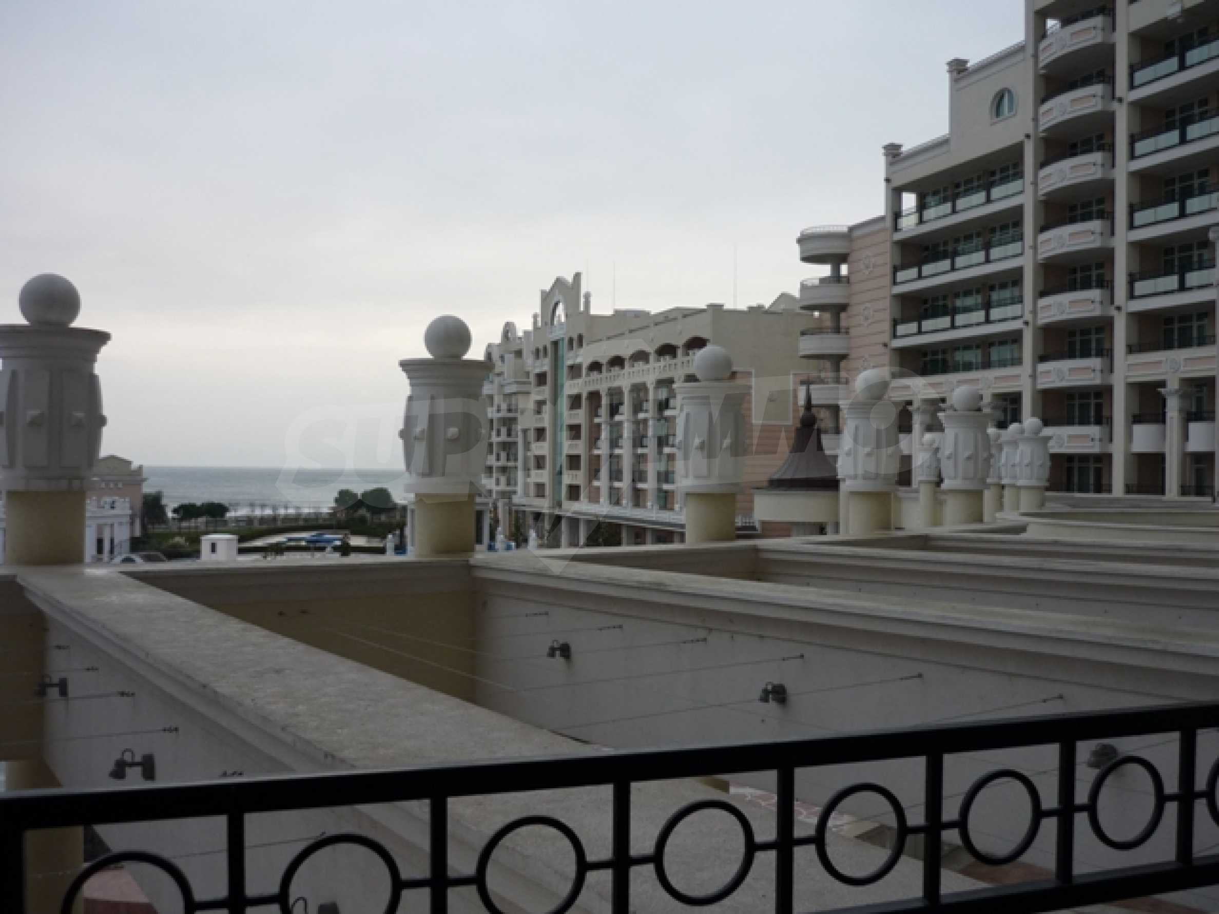Apartment on the sea 32