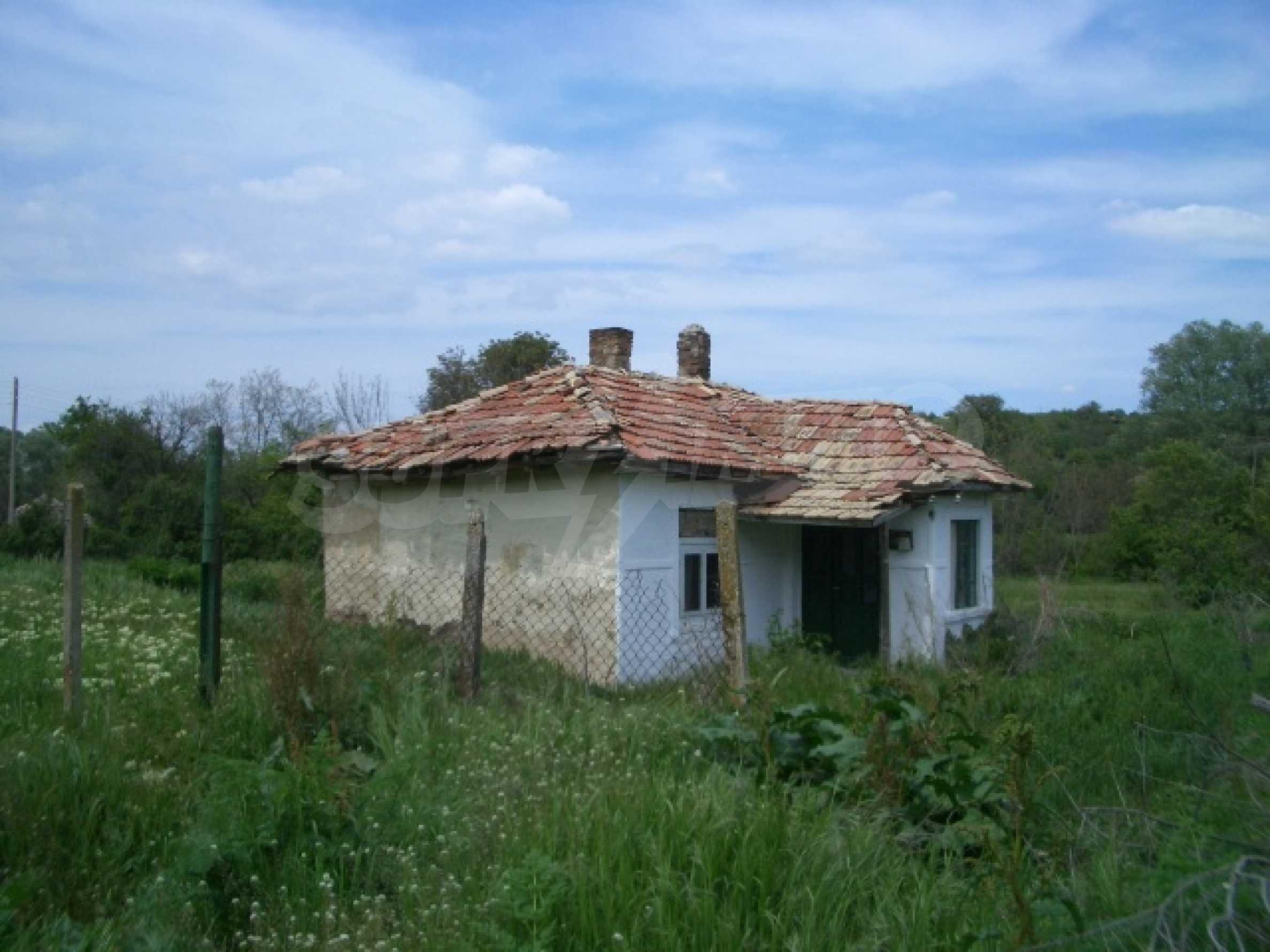 Дом в красивом тихом селе около г. Добрич и Варна