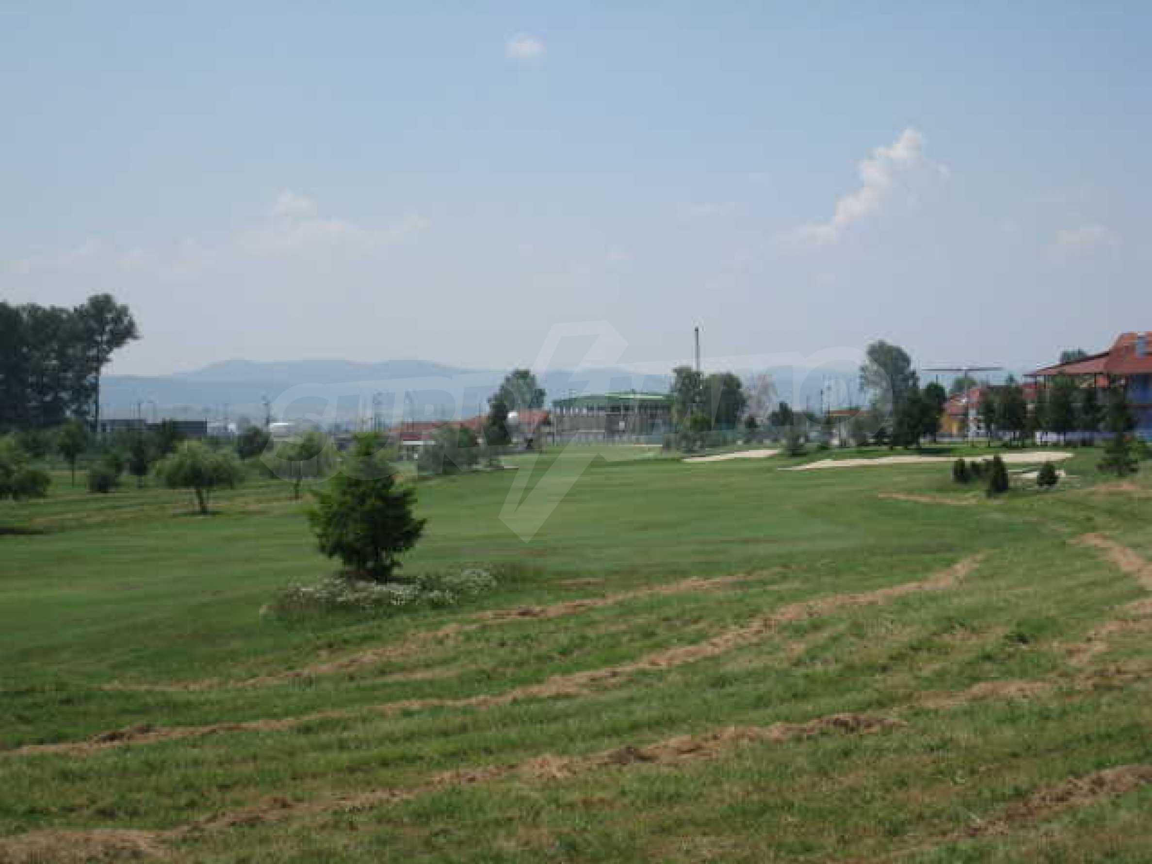 Сграда до Air Sofia Golf Club 20