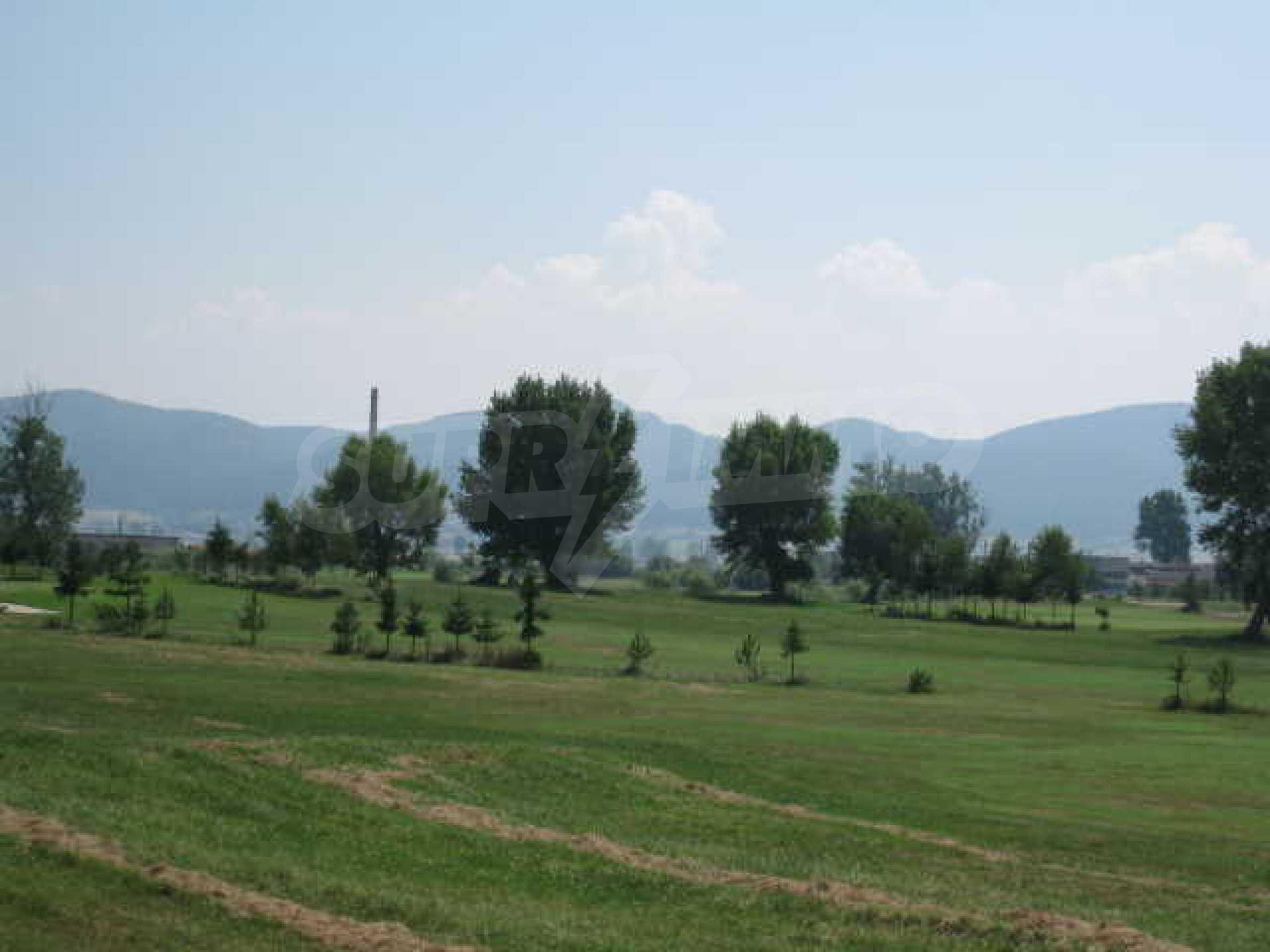 Сграда до Air Sofia Golf Club 22