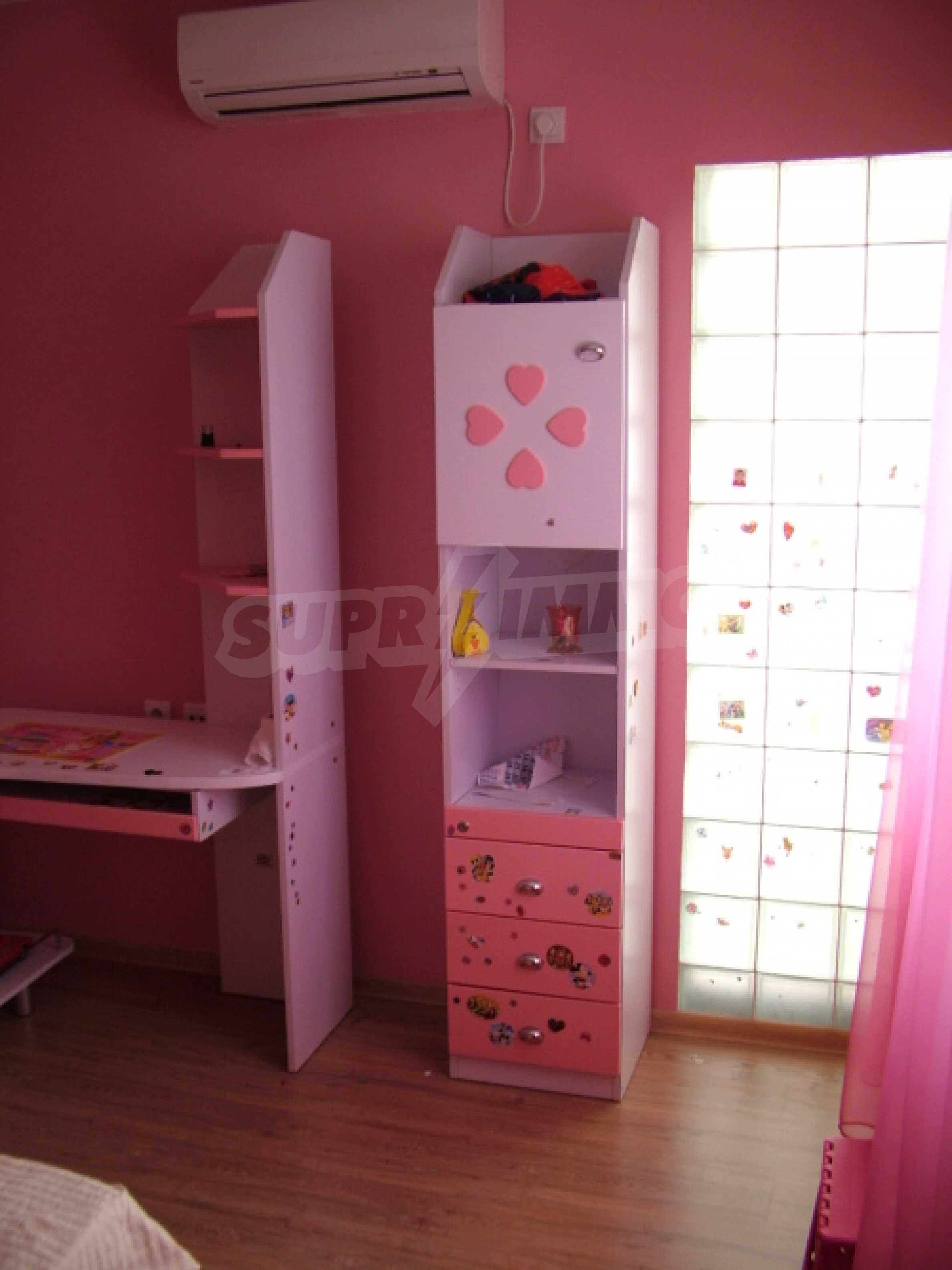Drei-Zimmer-Wohnung in Haskovo 3