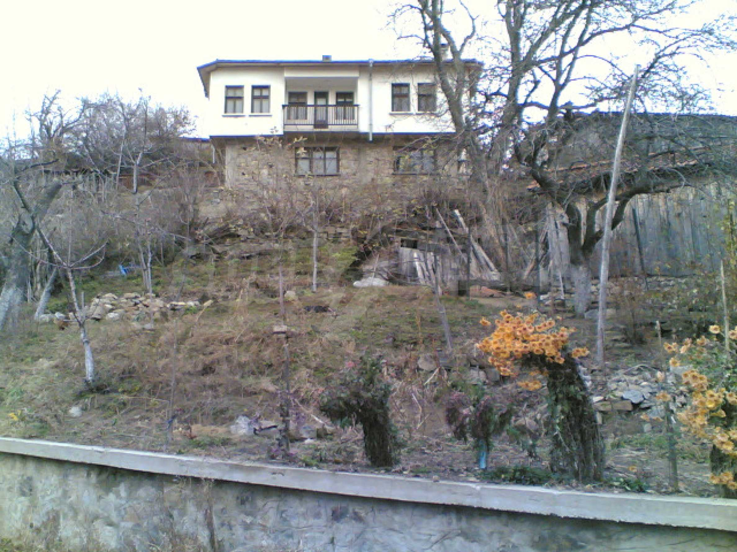 Солидна къща в родопското село Давидково 11