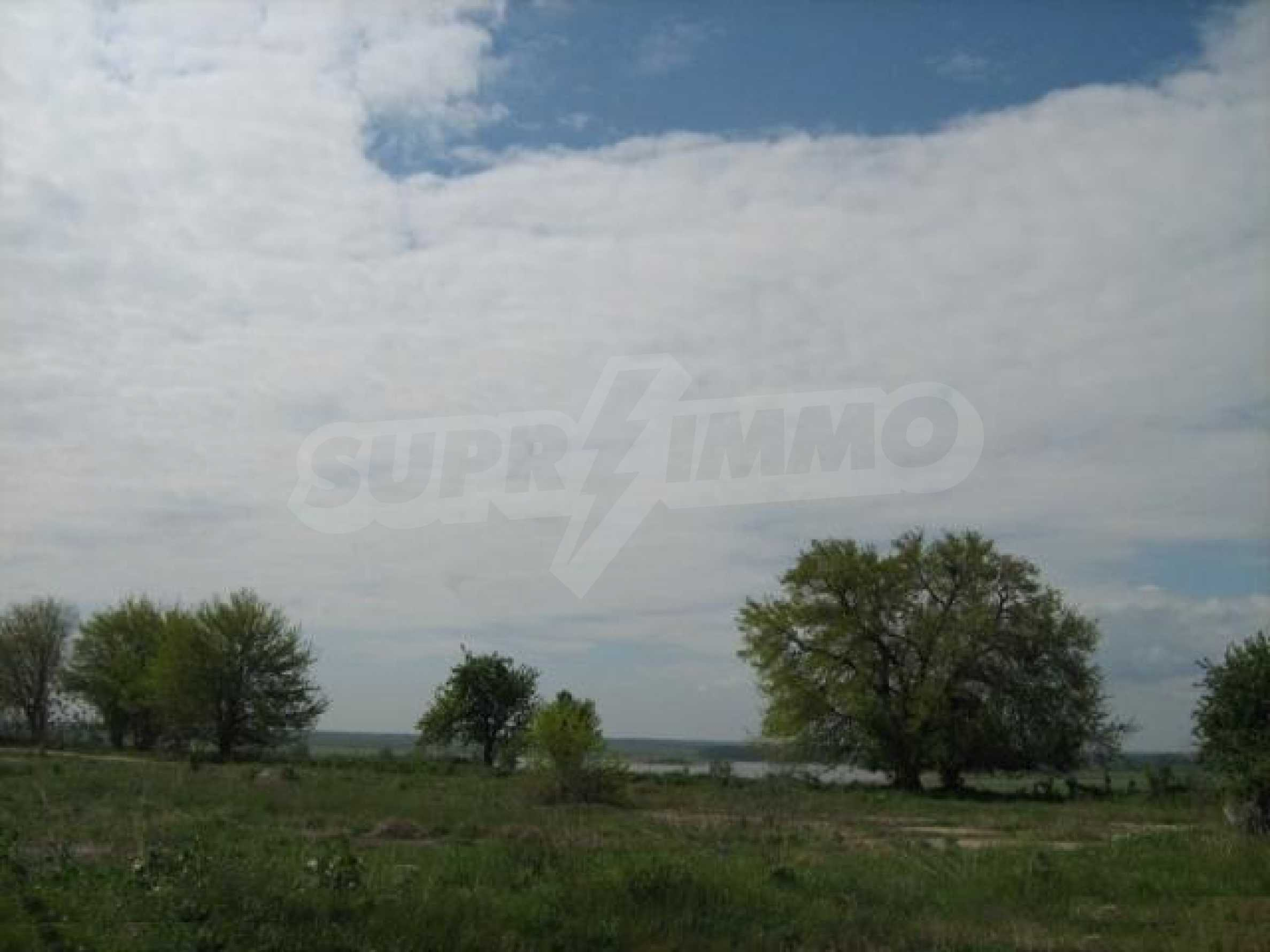 Large plot of land in Durankulak close to the sea 3