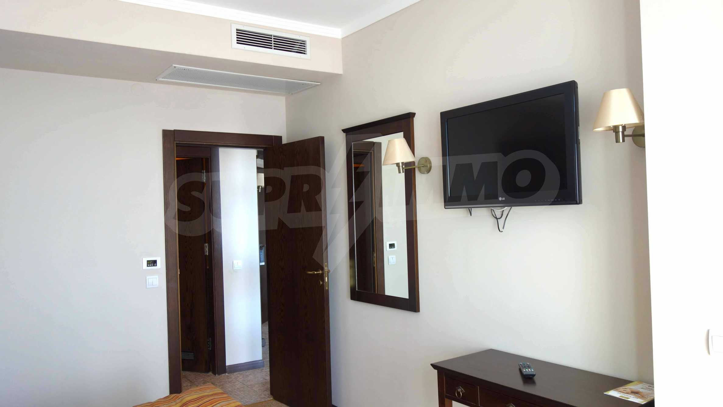 One-bedroom apartment in Royal Beach Barcelo 17