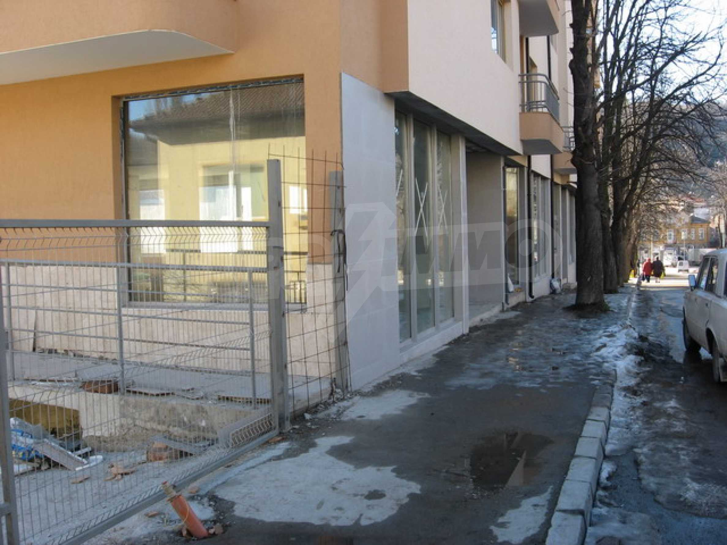Shop and a cafe for rent in Gabrovo 2