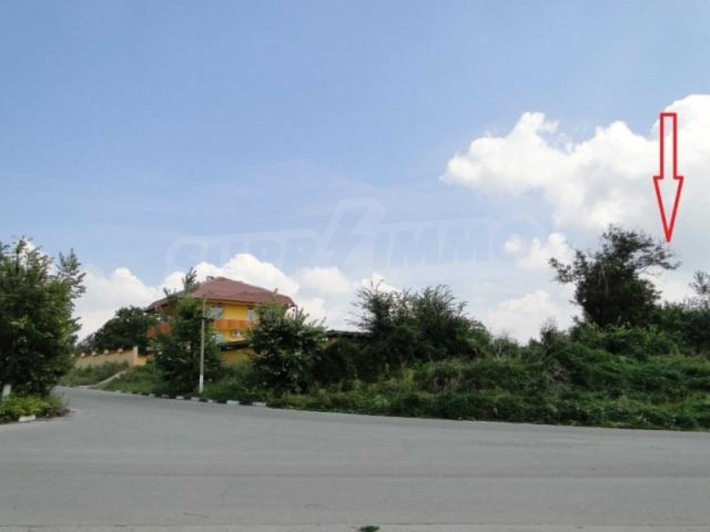 Дворно място в село Марково 4