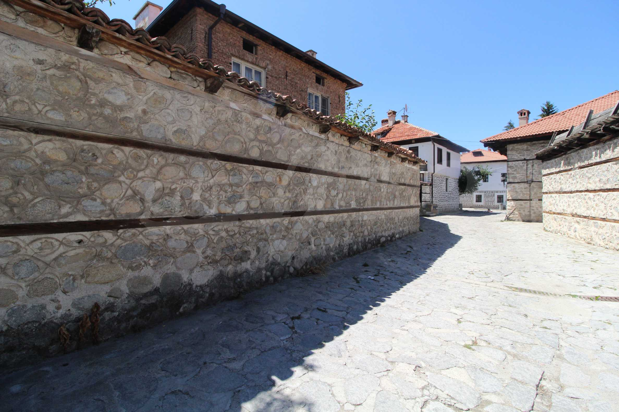 Two-storey house in the center of Bansko  7