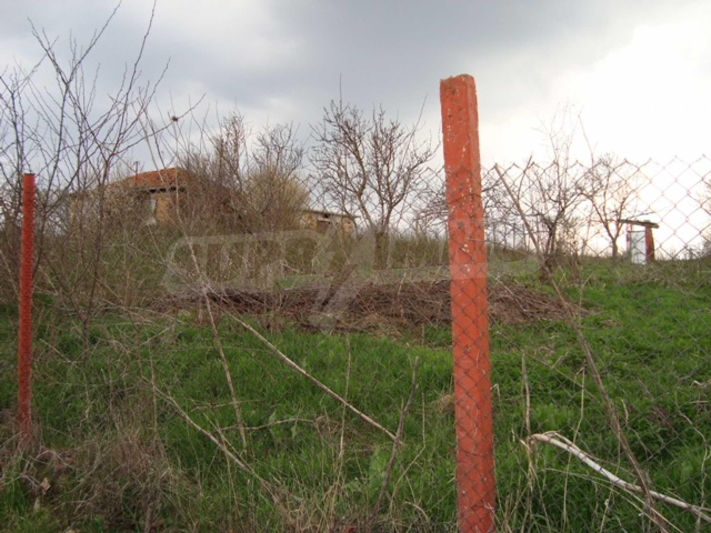 Участок в деревне Калиманци 3