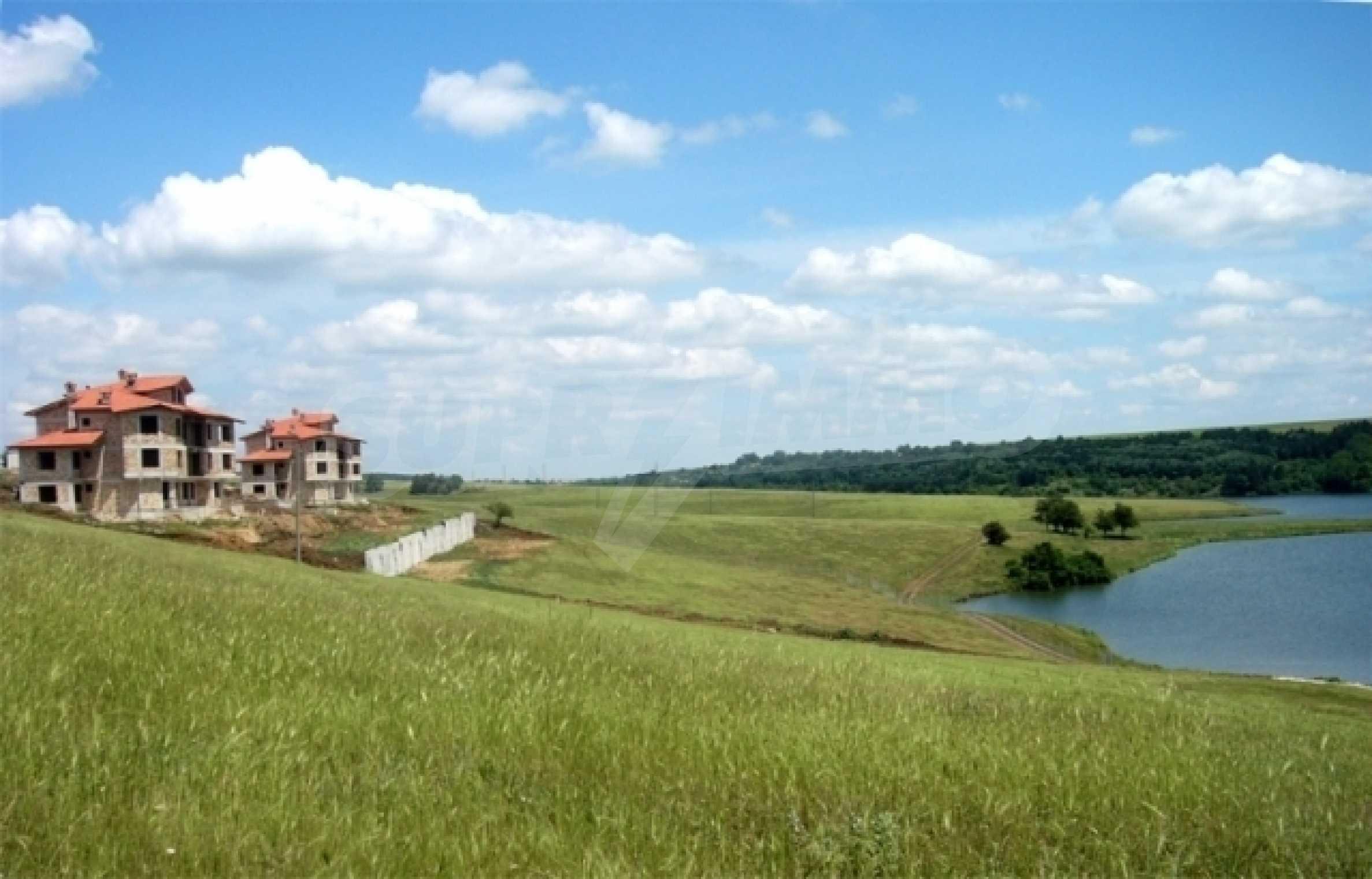 Grundstück im Dorf Nikolaevka