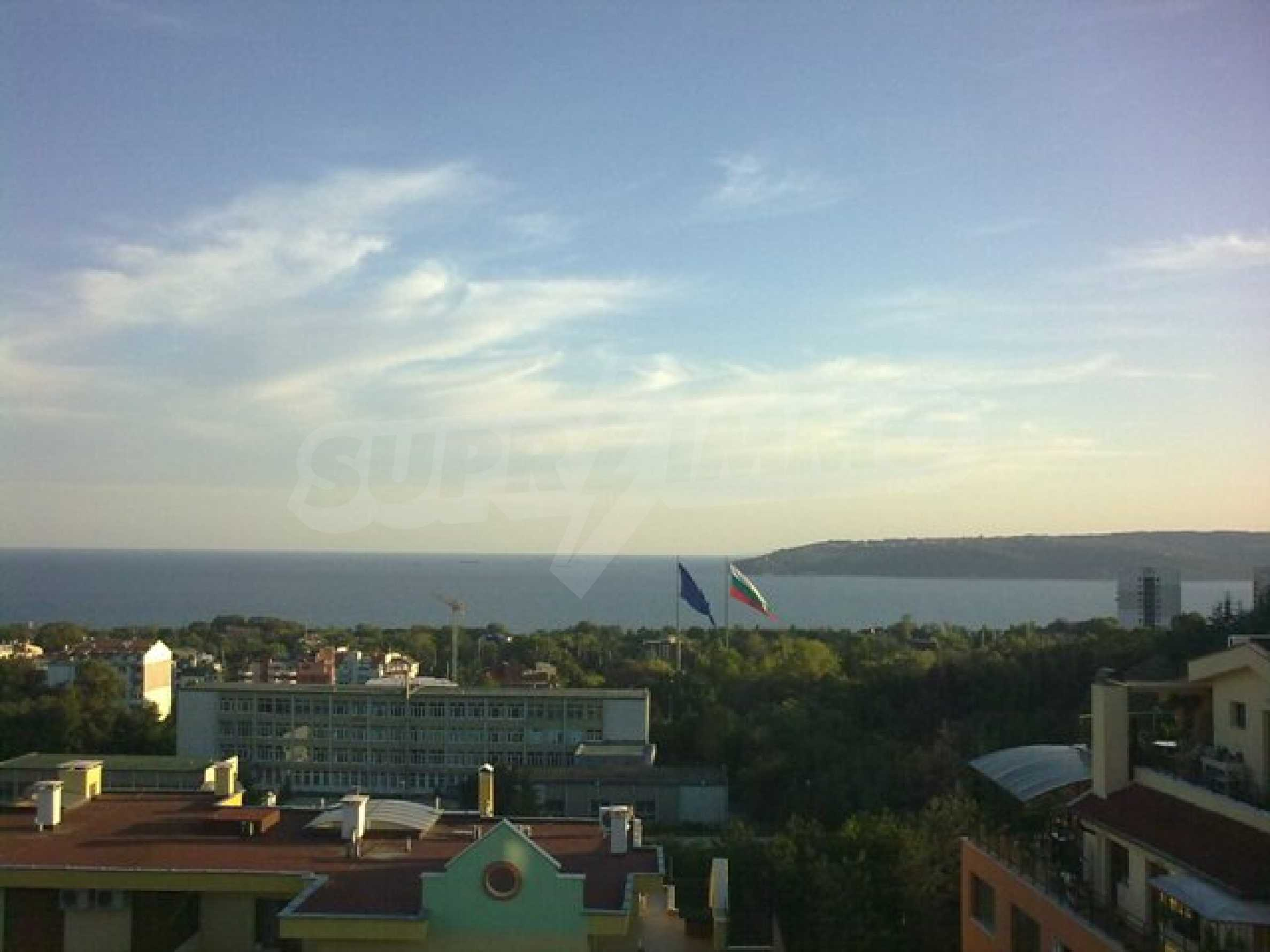 Two-bedroom apartment with amazin sea view in Varna 1