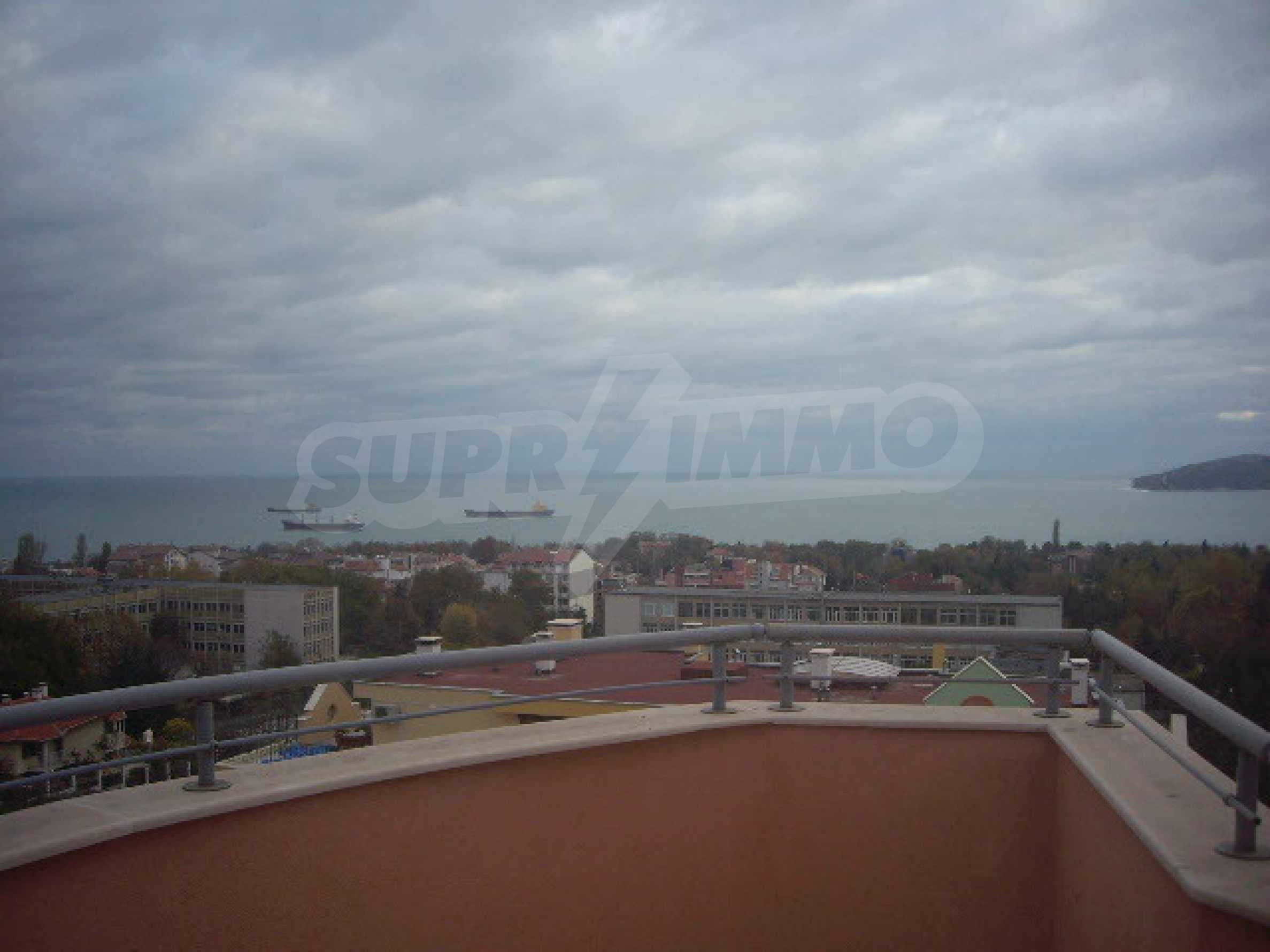 Two-bedroom apartment with amazin sea view in Varna 2