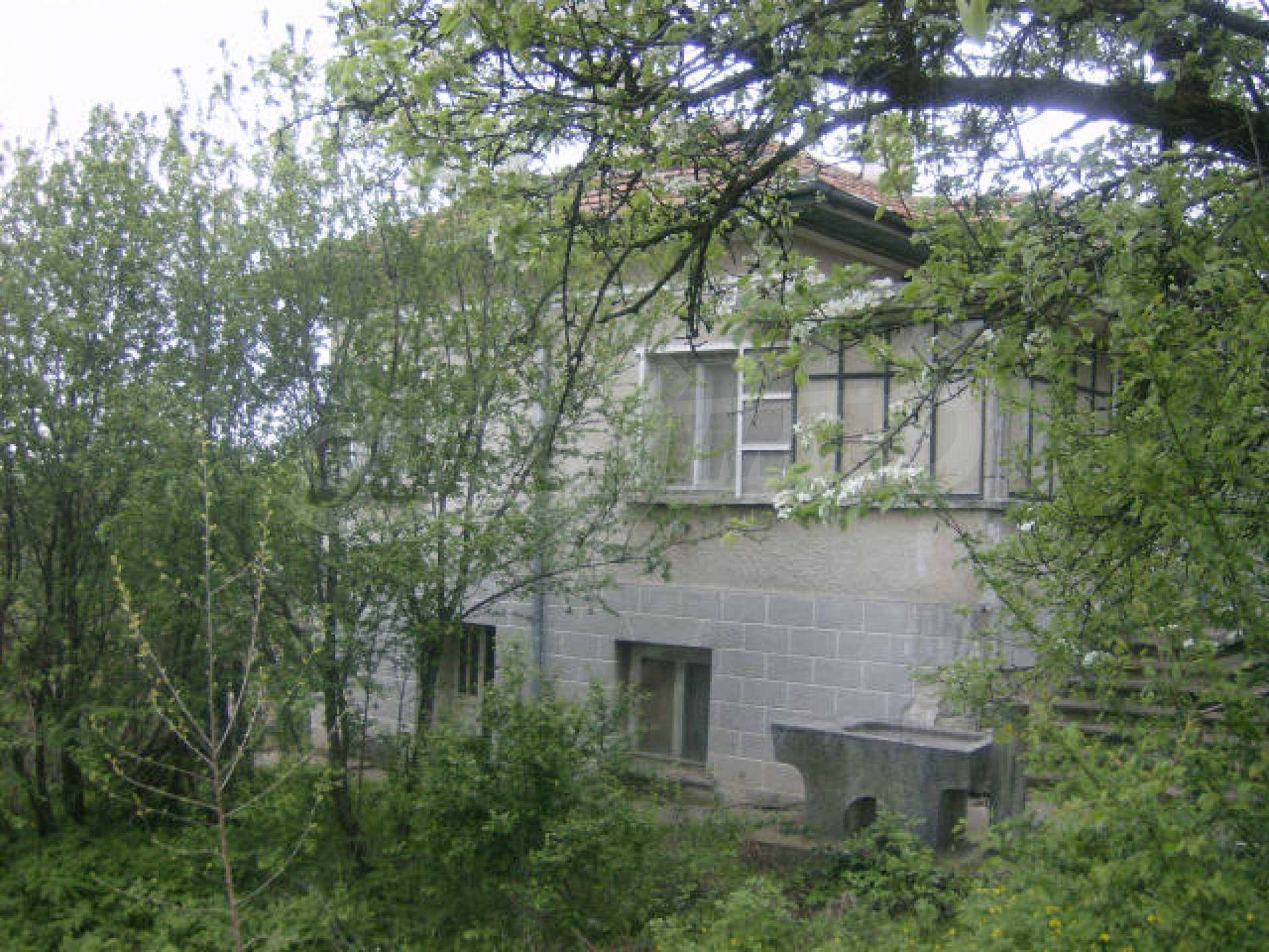 Solid two-storey house near Vidin 1