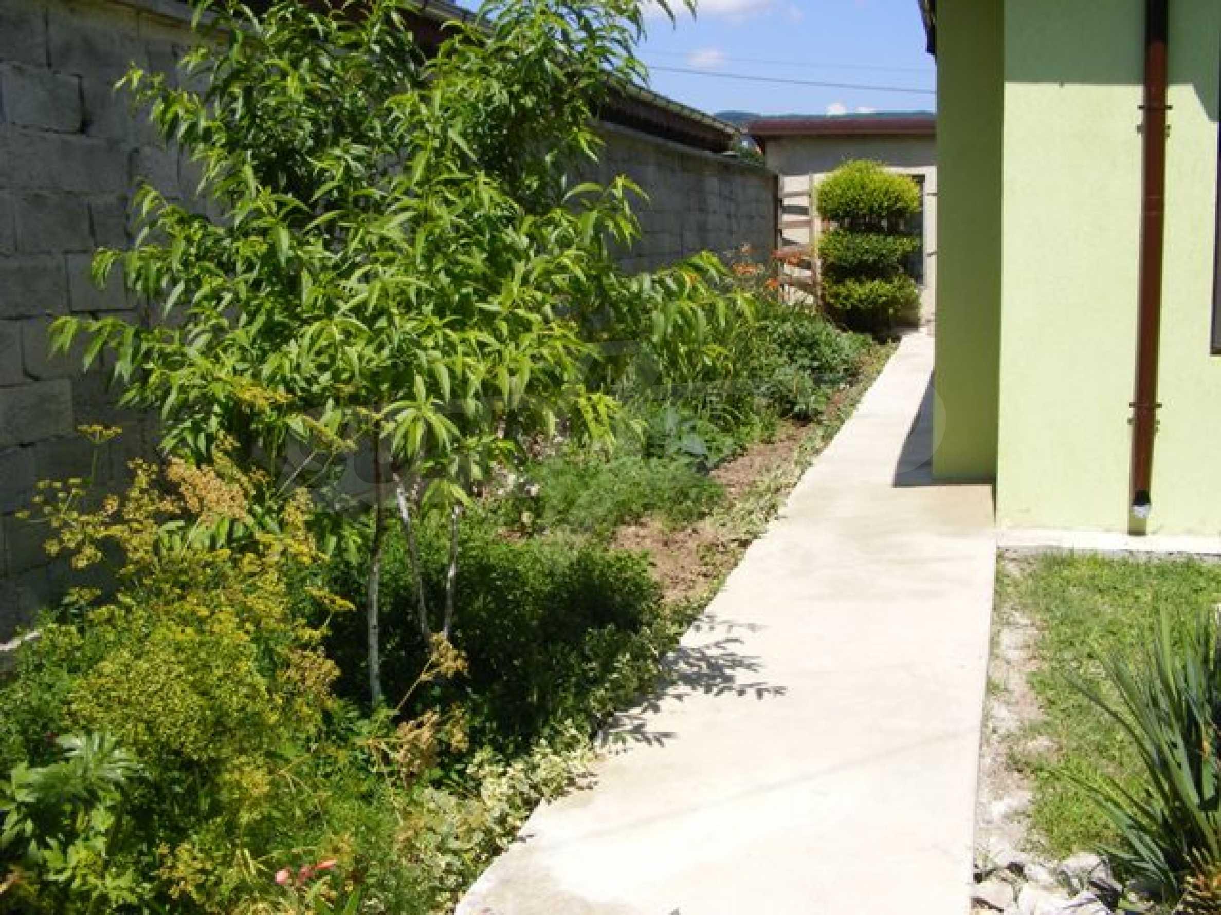 Нова къща Лили - 7 спални, градина и гледка към морето 4