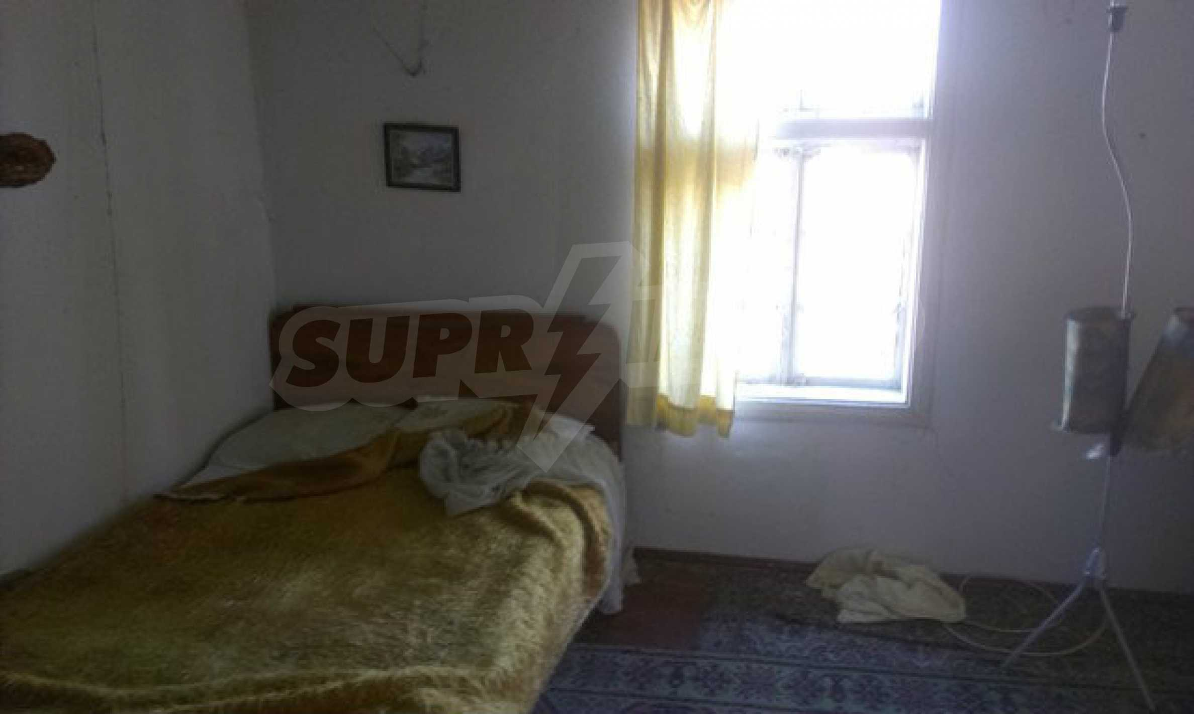 Two-storey village house with 1400 sq.m. yard 25