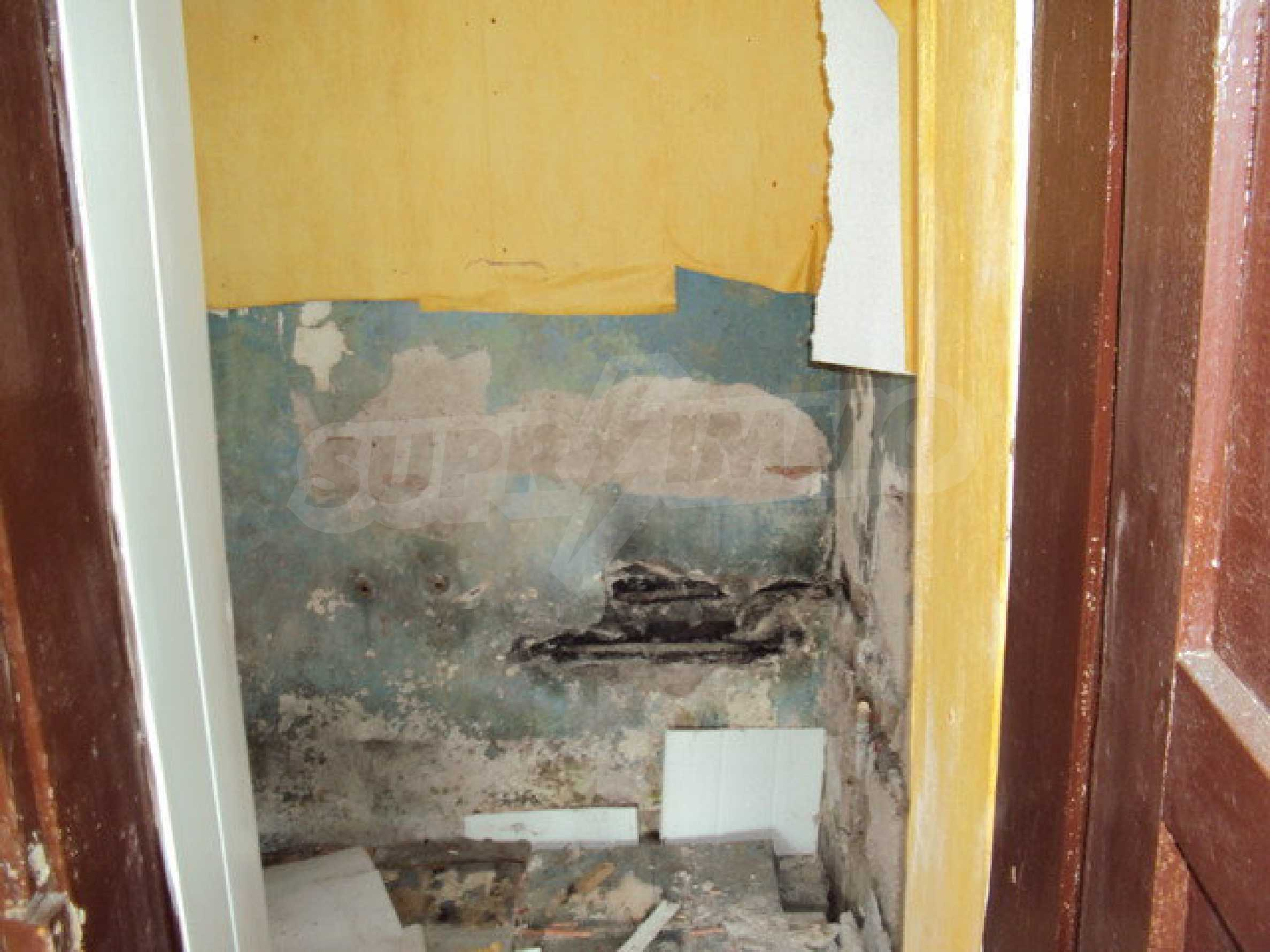 Einstöckiges Haus im Dorf Butovo 20