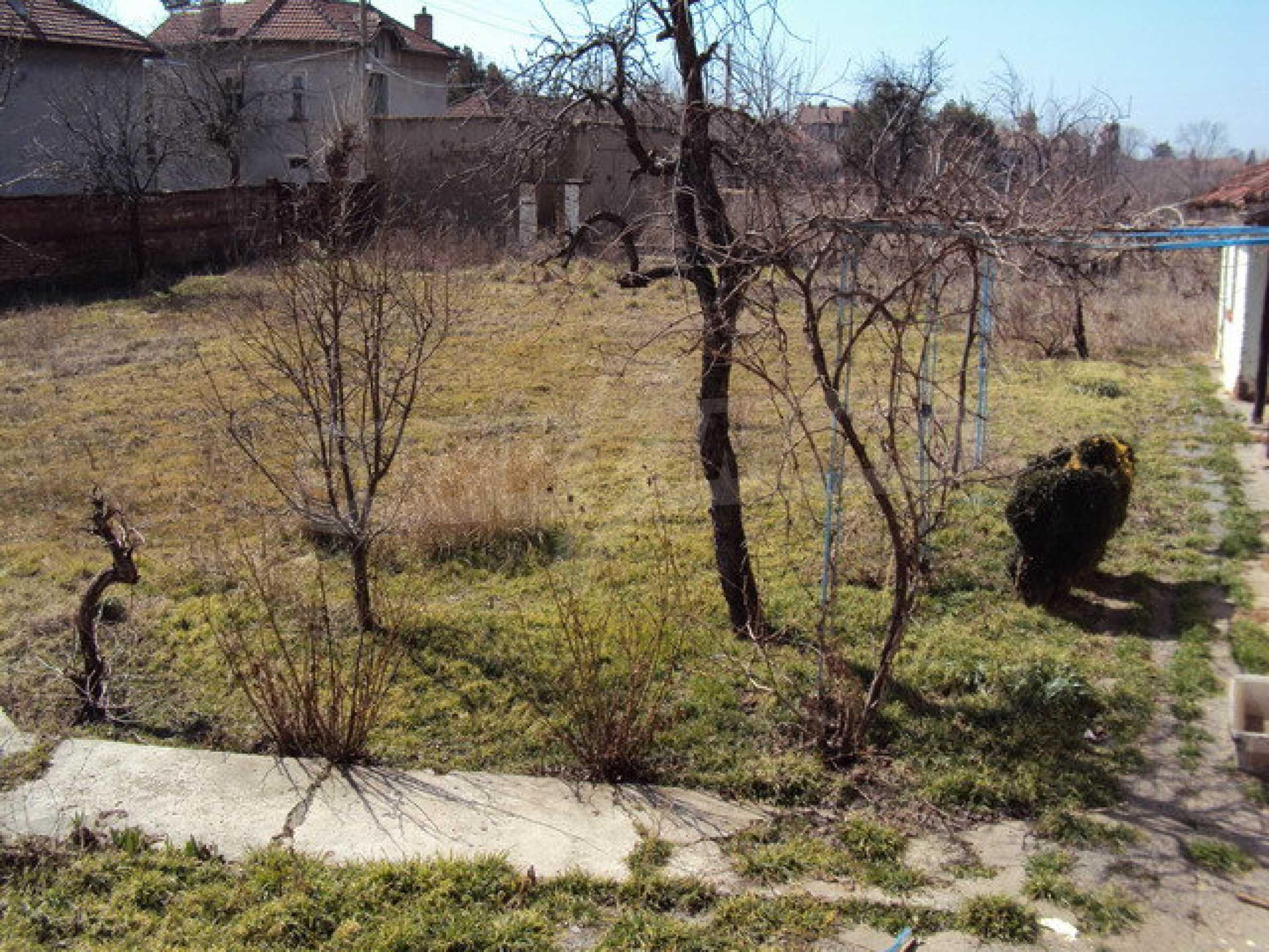 Einstöckiges Haus im Dorf Butovo 22