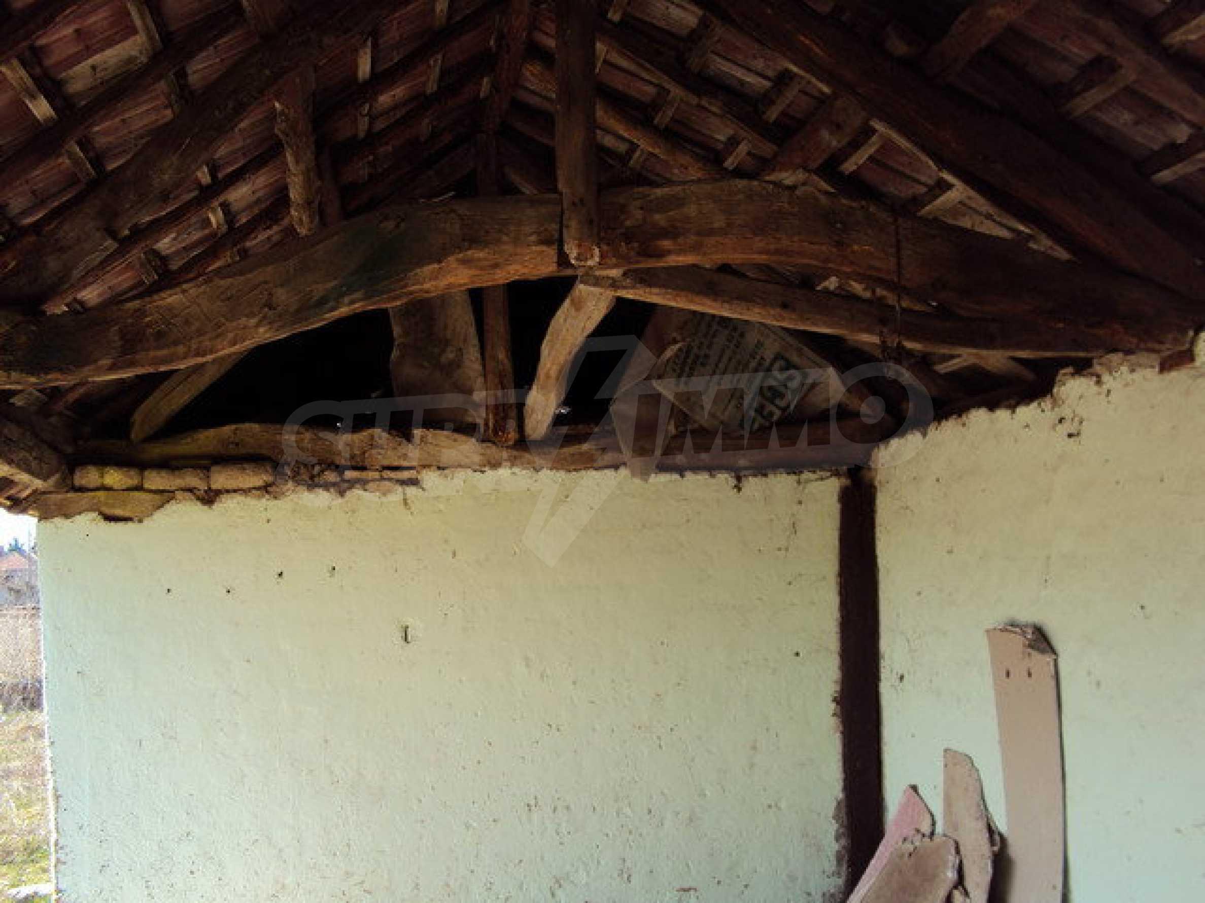 Einstöckiges Haus im Dorf Butovo 23