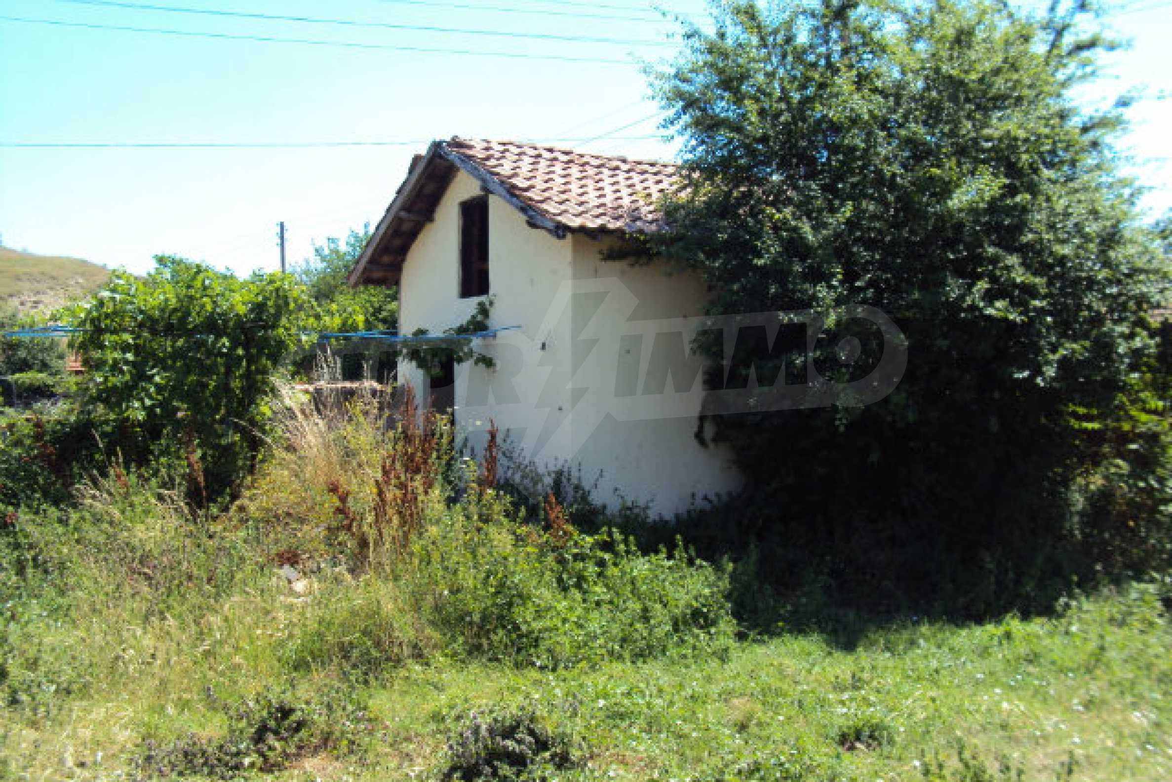Einstöckiges Haus im Dorf Butovo 4