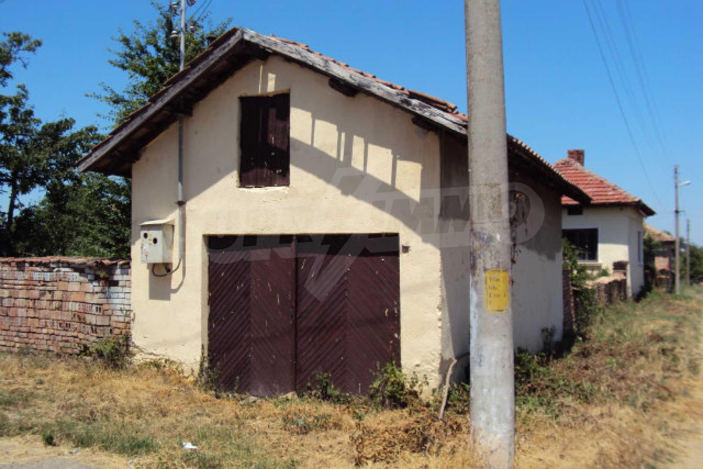 Einstöckiges Haus im Dorf Butovo 7