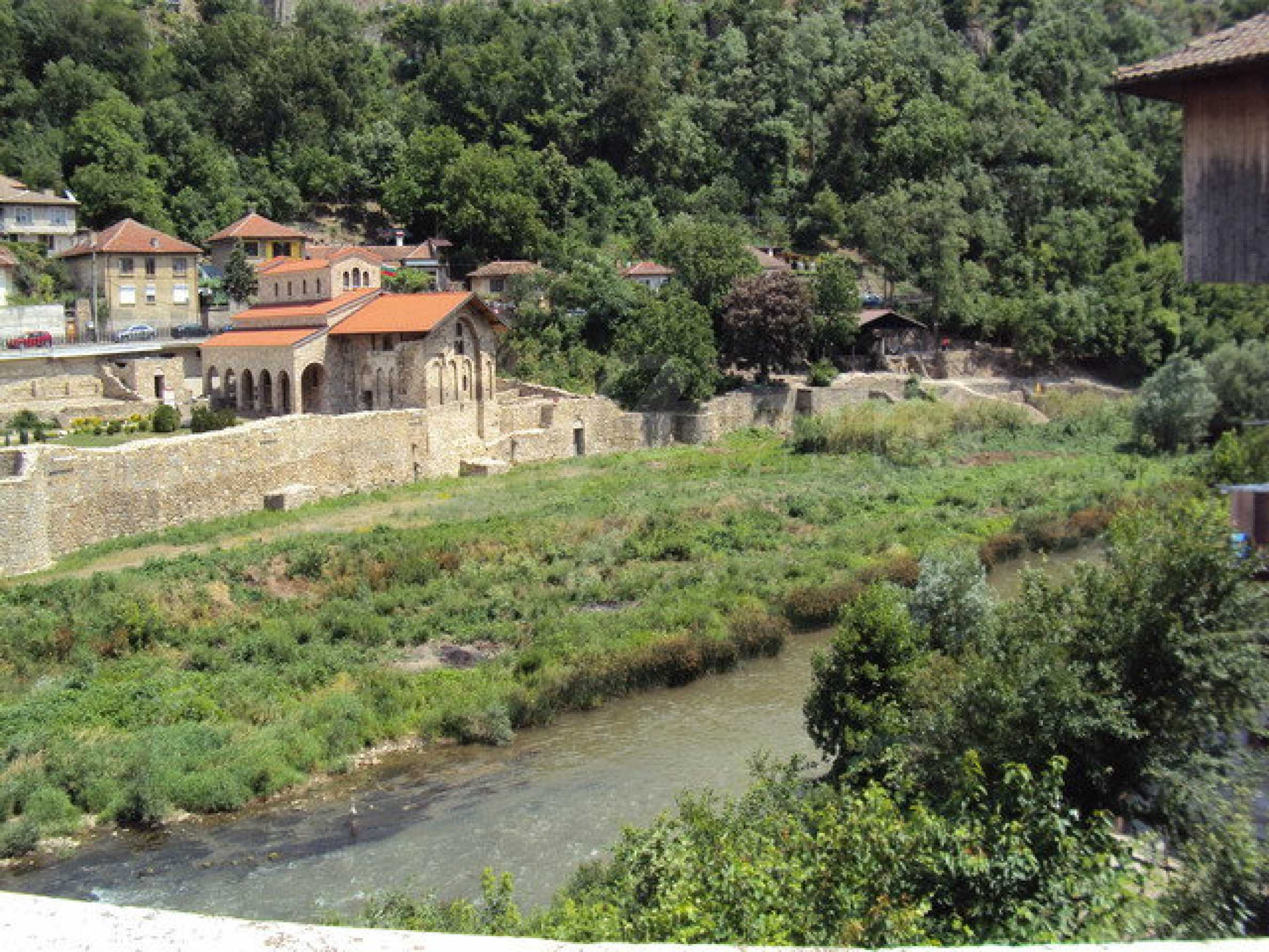 Unique property on the banks of Yantra River in Veliko Tarnovo 27