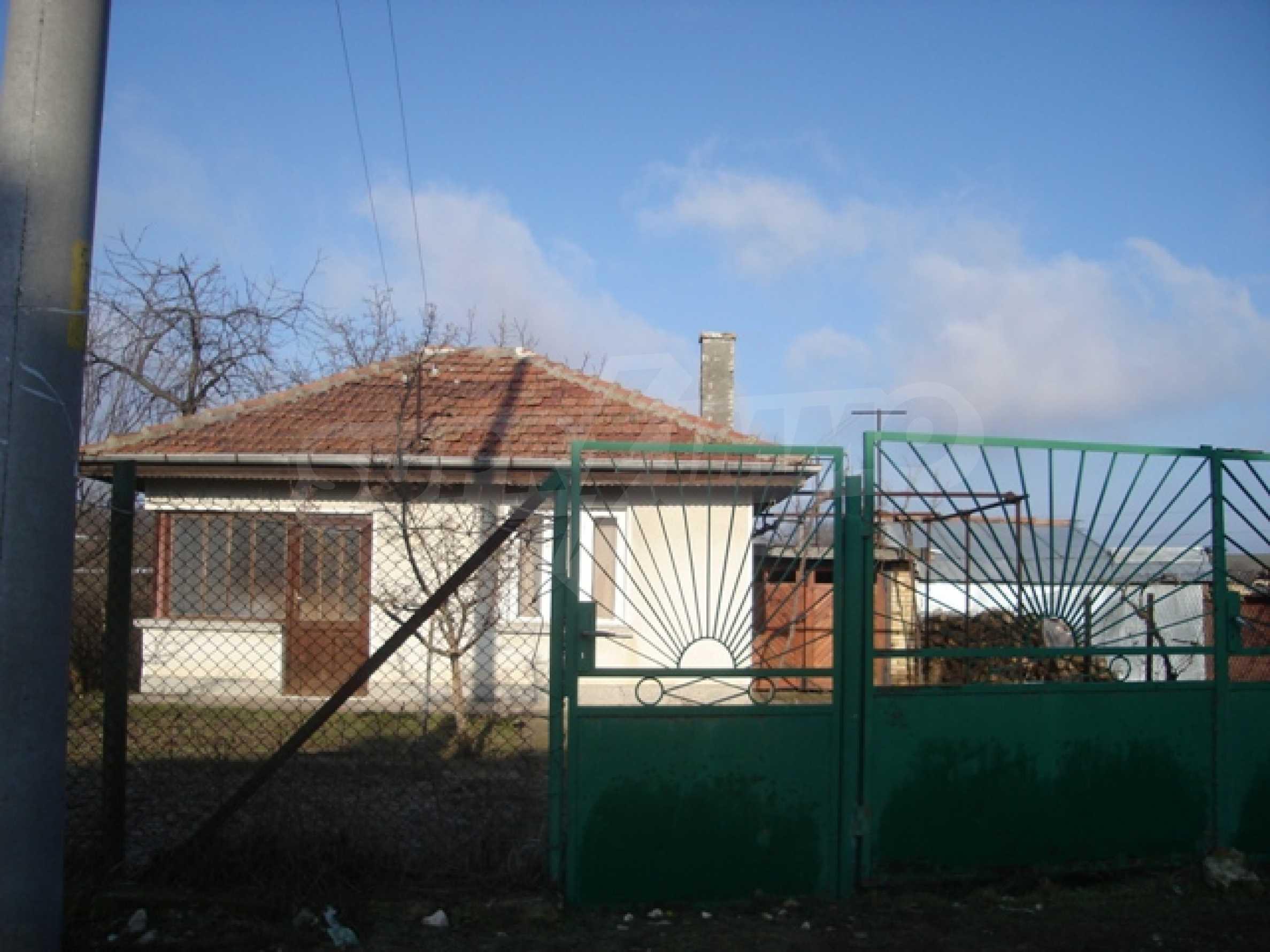 Einstöckiges Haus 10 km von Varna entfernt