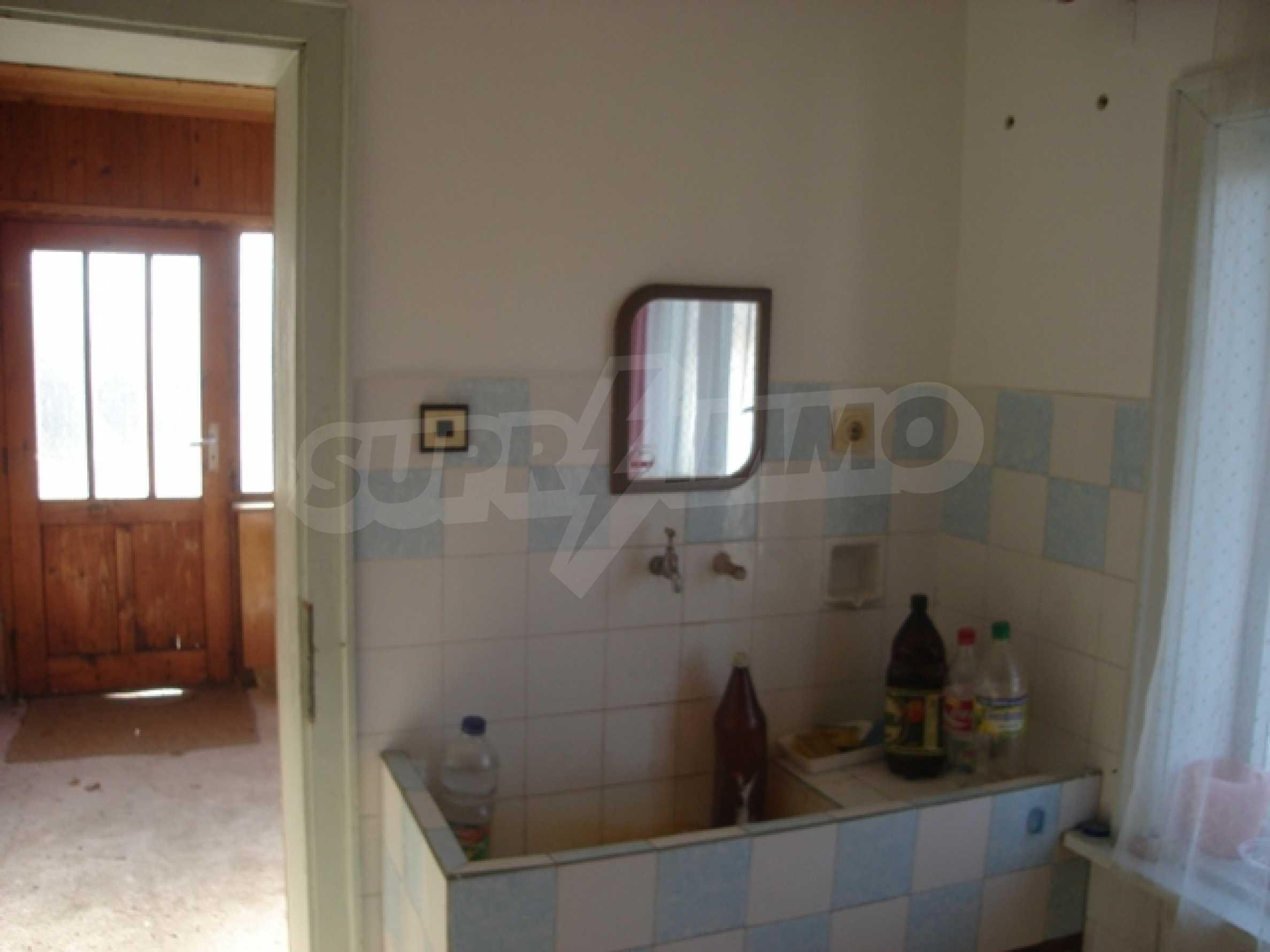Einstöckiges Haus 10 km von Varna entfernt 2