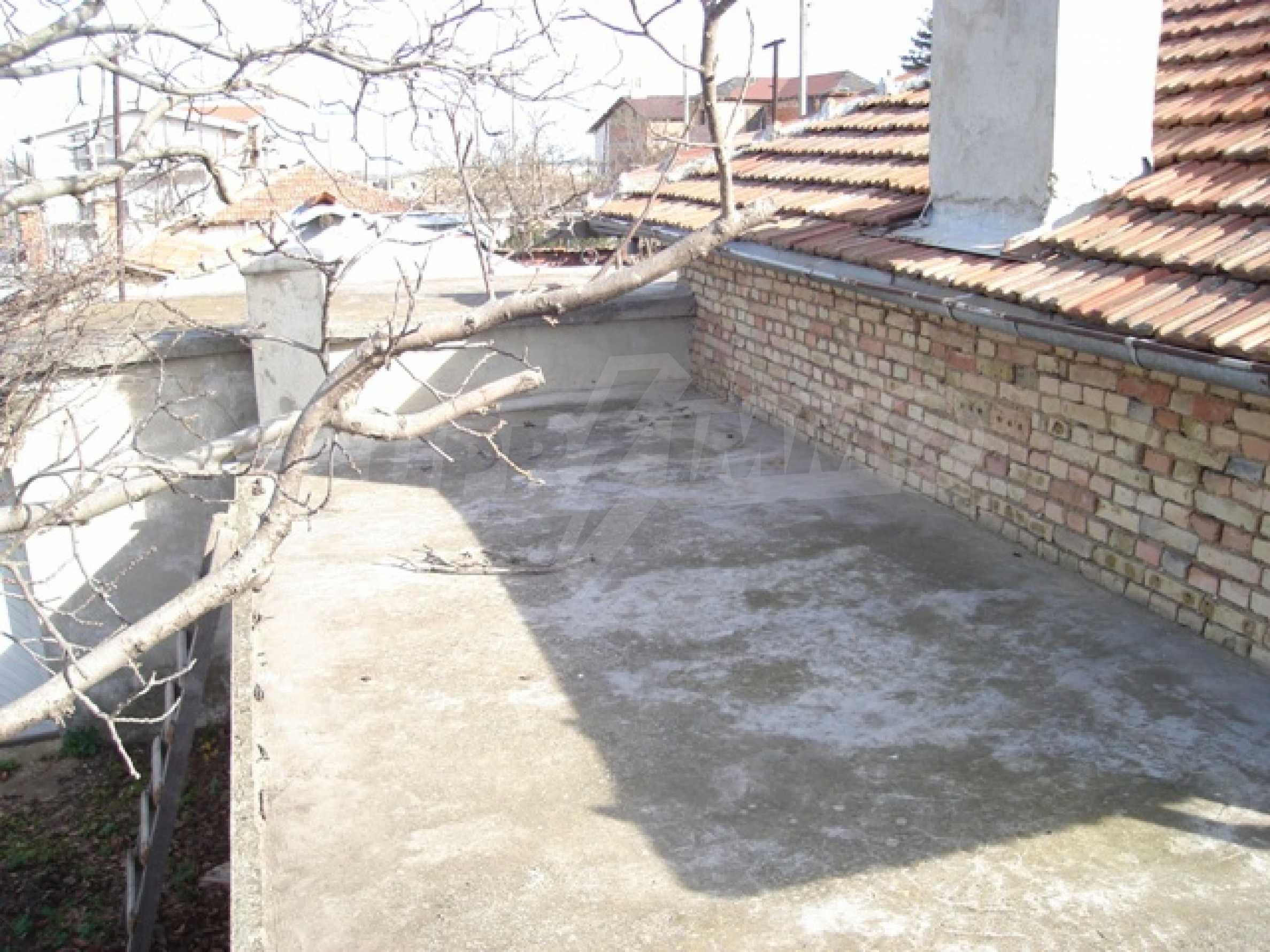 Einstöckiges Haus 10 km von Varna entfernt 5