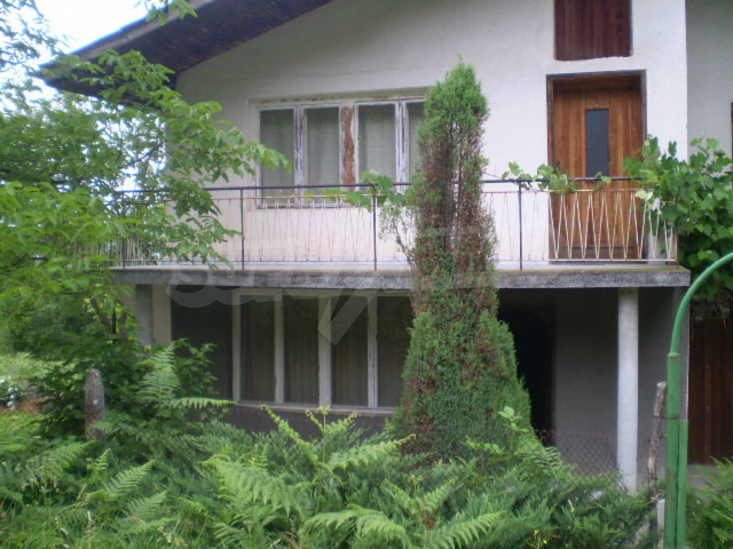 Villa house in a area popular with its beautiful nature 17