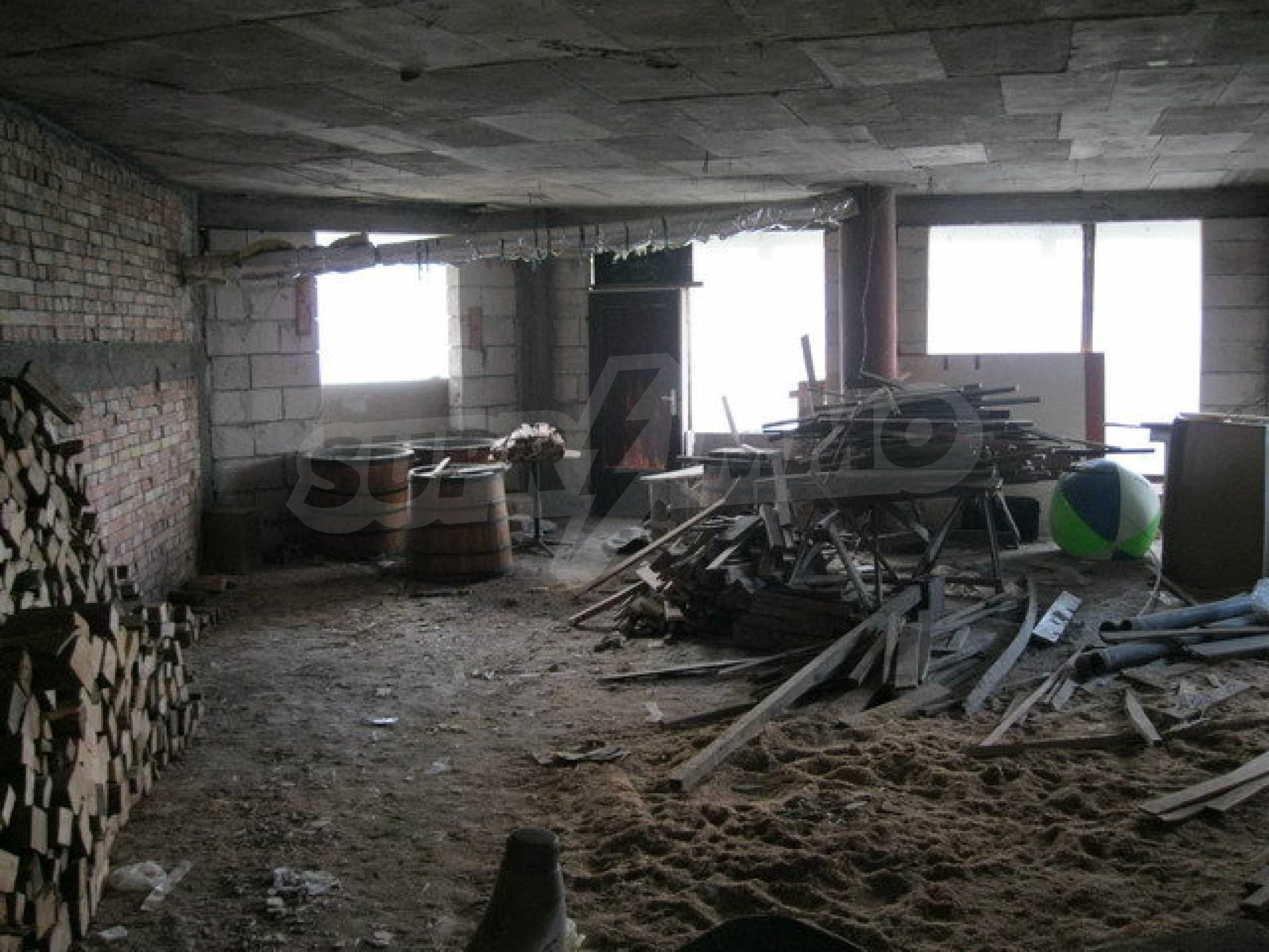 Commercial property on 3 levels for sale in Veliko Tarnovo  24